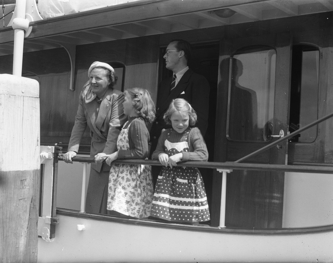 Prinsenjacht Piet Hein vertroeteld op Helderse rijkswerf en op zee; marinebazen en regering maakten het de koningin en prins graag naar de zin
