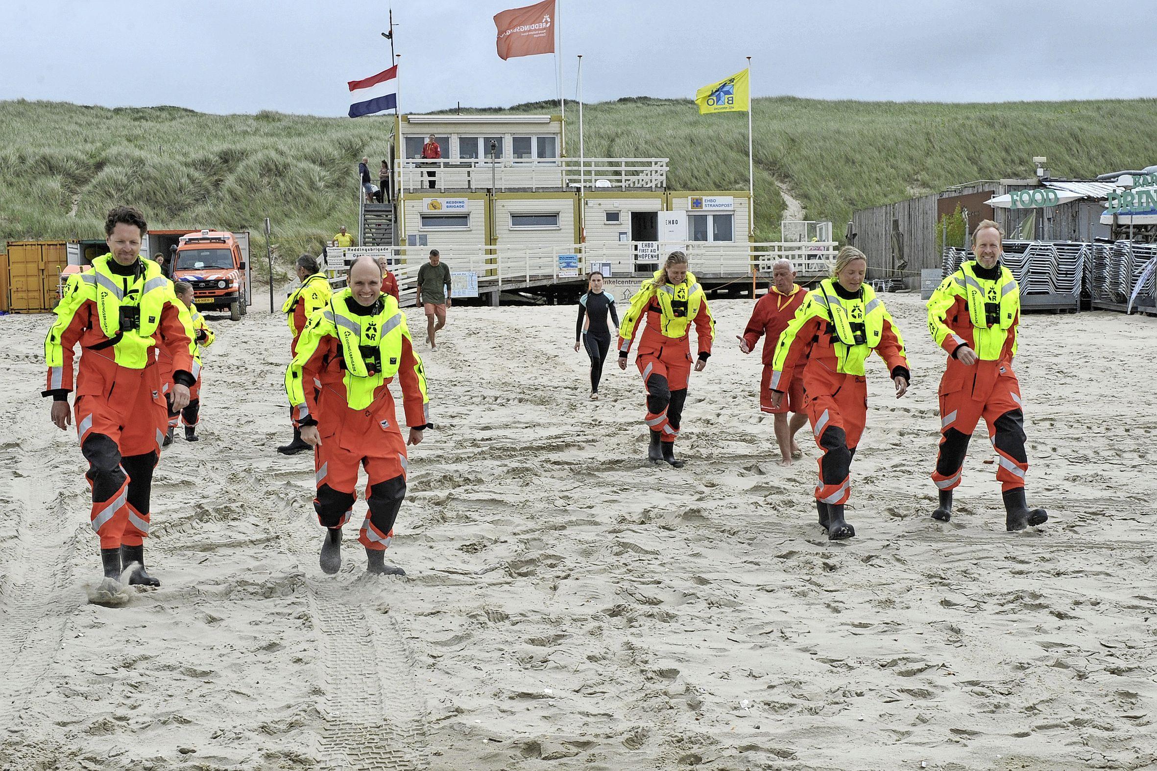 Achtienplussers tonen veel belangstelling voor reddingsbrigade in Castricum