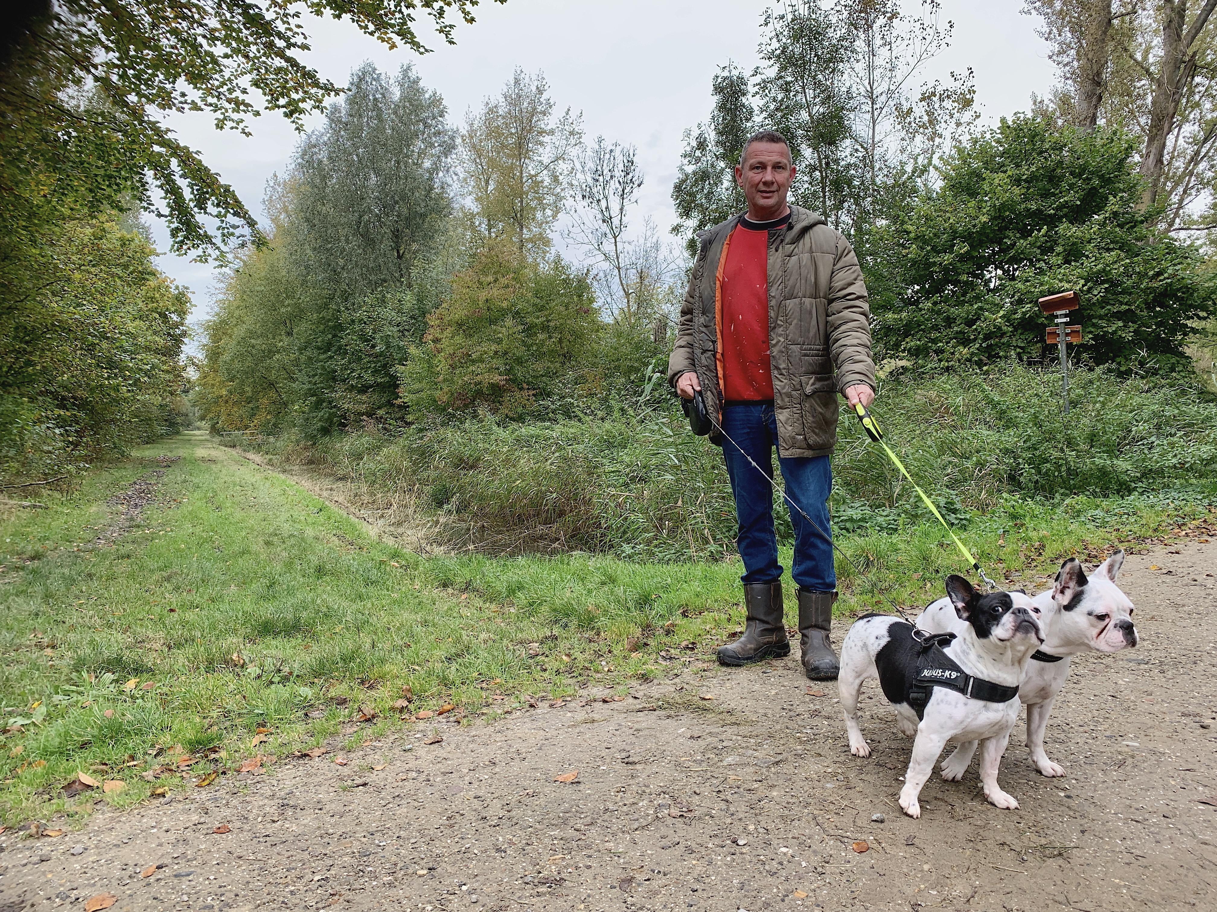 Onderweg: Het criminele verleden van Danny Warink uit Heerhugowaard was voorbij toen hij in 2012 'het licht' zag op de luchtplaats van het politiebureau waar hij in voorarrest zat.