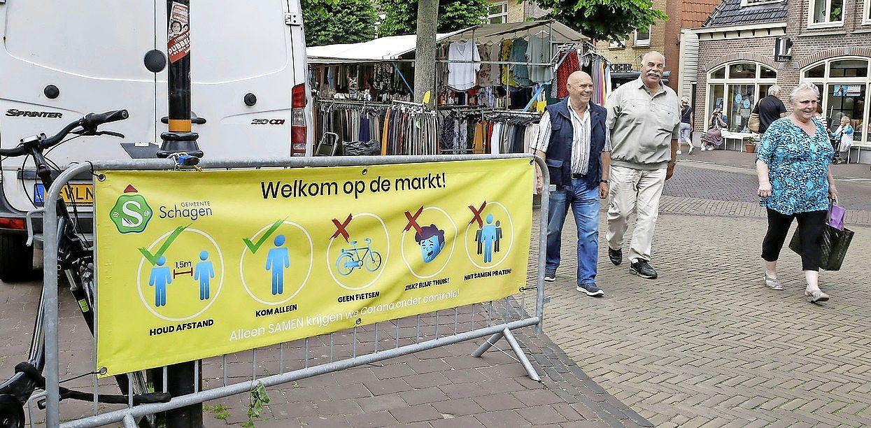 Non-foodkramen terug op markt in Schagen; Alles blijft wel coronaproof, dus kramen in drie straten en alles met 1,5 meter afstand aan en één kant