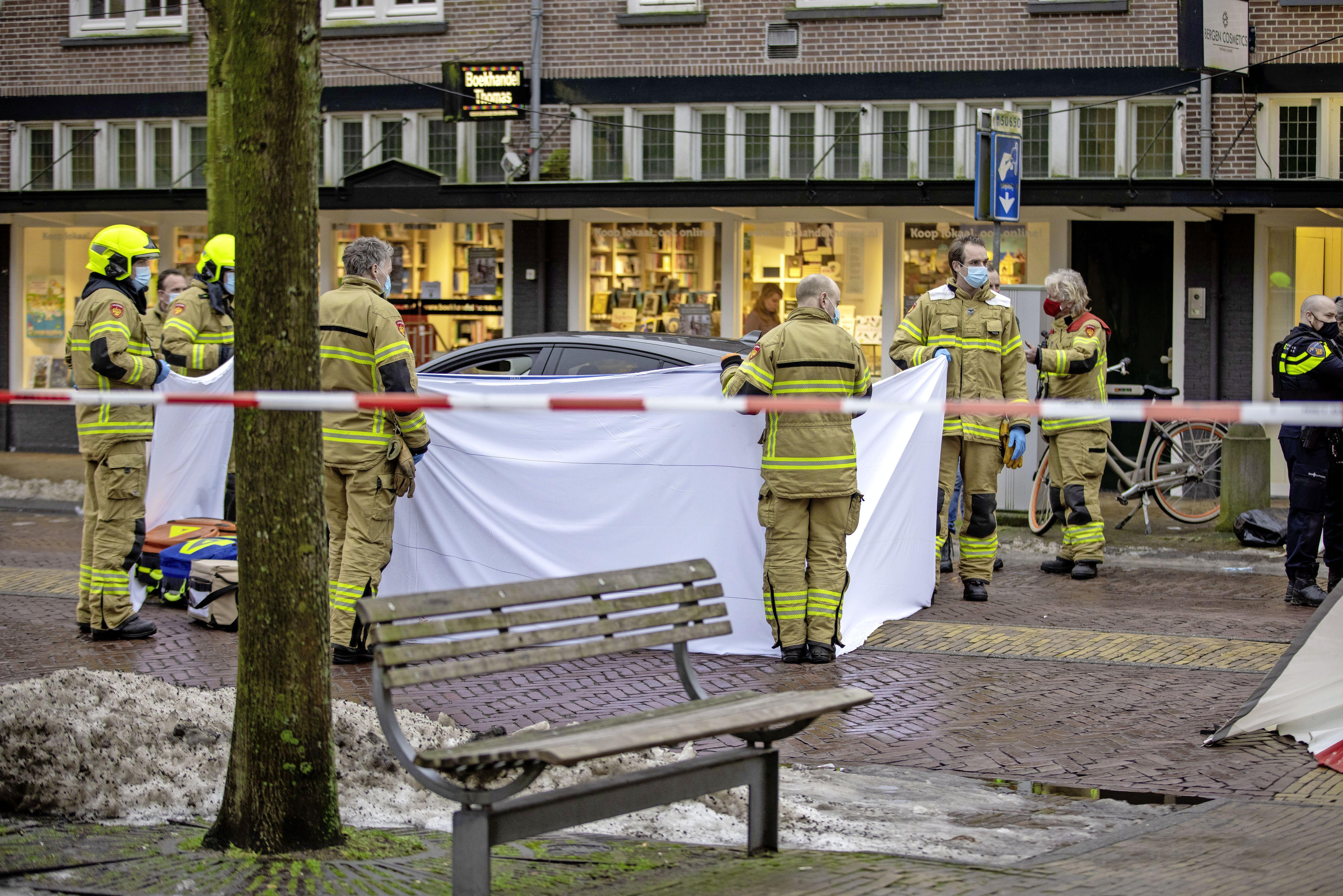 Zes Colombianen niet langer verdacht van moord in Bergen aan Zee, nog wel van wapenbezit en witwassen. Ze blijven voorlopig vastzitten na dodelijke schietpartij