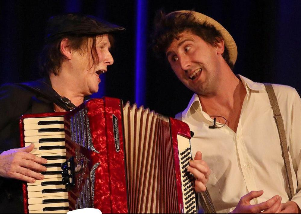 Tip van de redactie: Fredie en Jorick zingen Ramses in de Pletterij