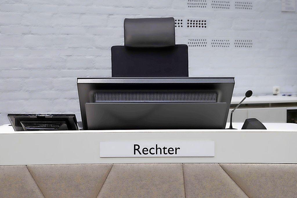 'Geraffineerd', noemt de rechtbank het oplichten van verstandelijk beperkte Alkmaarder en de beroving op in de val gelokte pakketbezorger. Dader krijgt 240 uur werkstraf