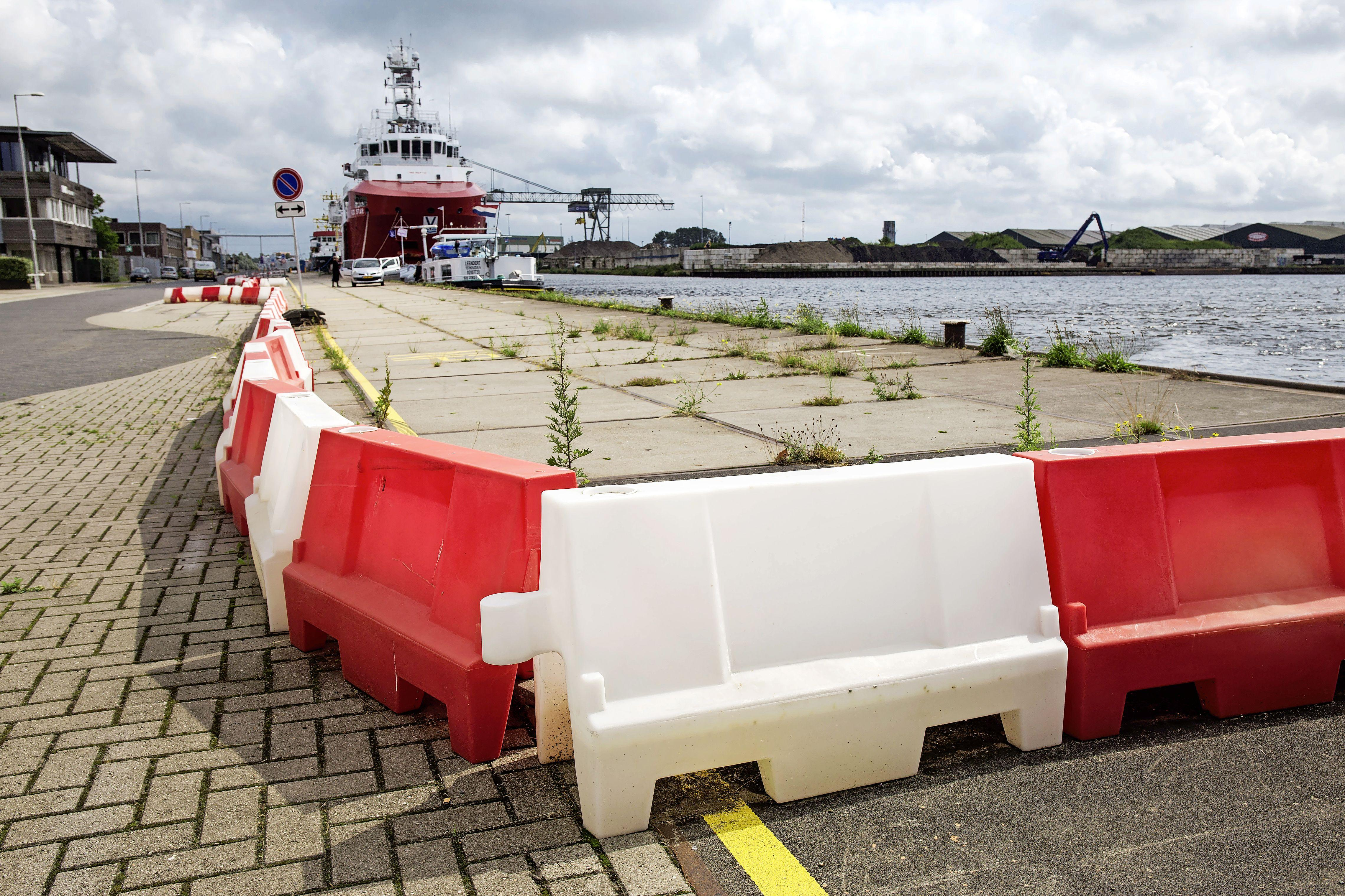 Extra maatregelen Noorderkade Beverwijk: gemeente gaat afzetting verankeren zodat die niet meer verschoven kan worden. 'Hier schrikken we echt van'