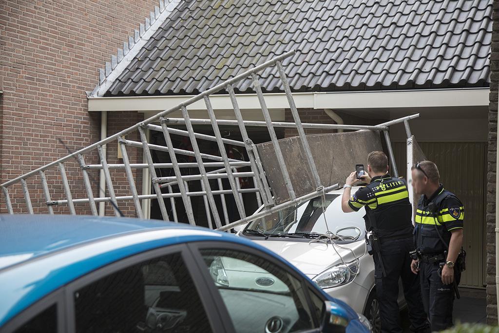 Zwaargewonde bij omvallen steiger in Heemskerk