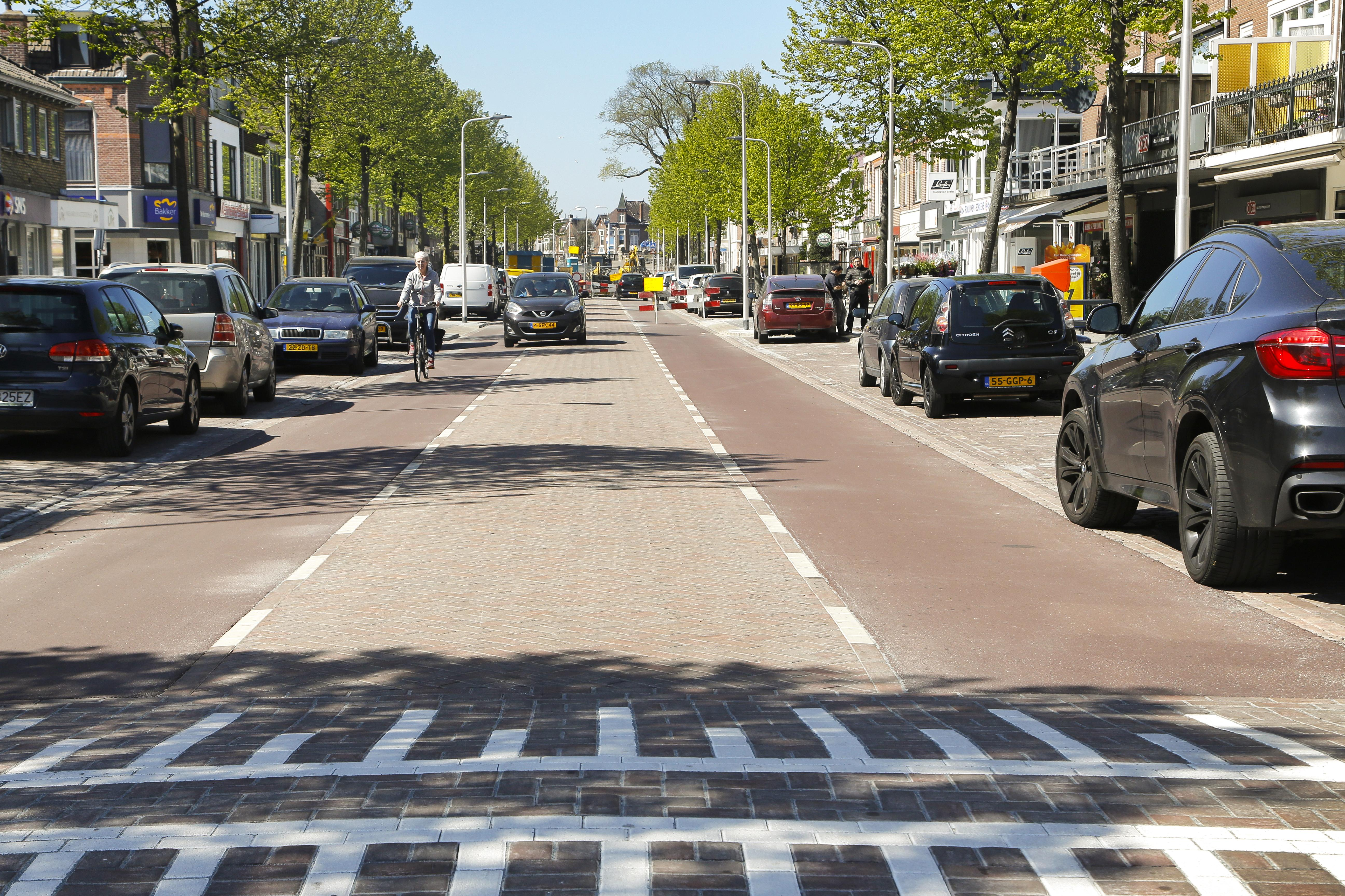 Blauwe zone Kennemerlaan in IJmuiden blijft nog een voornemen. Wethouder Diepstraten sust de onrust