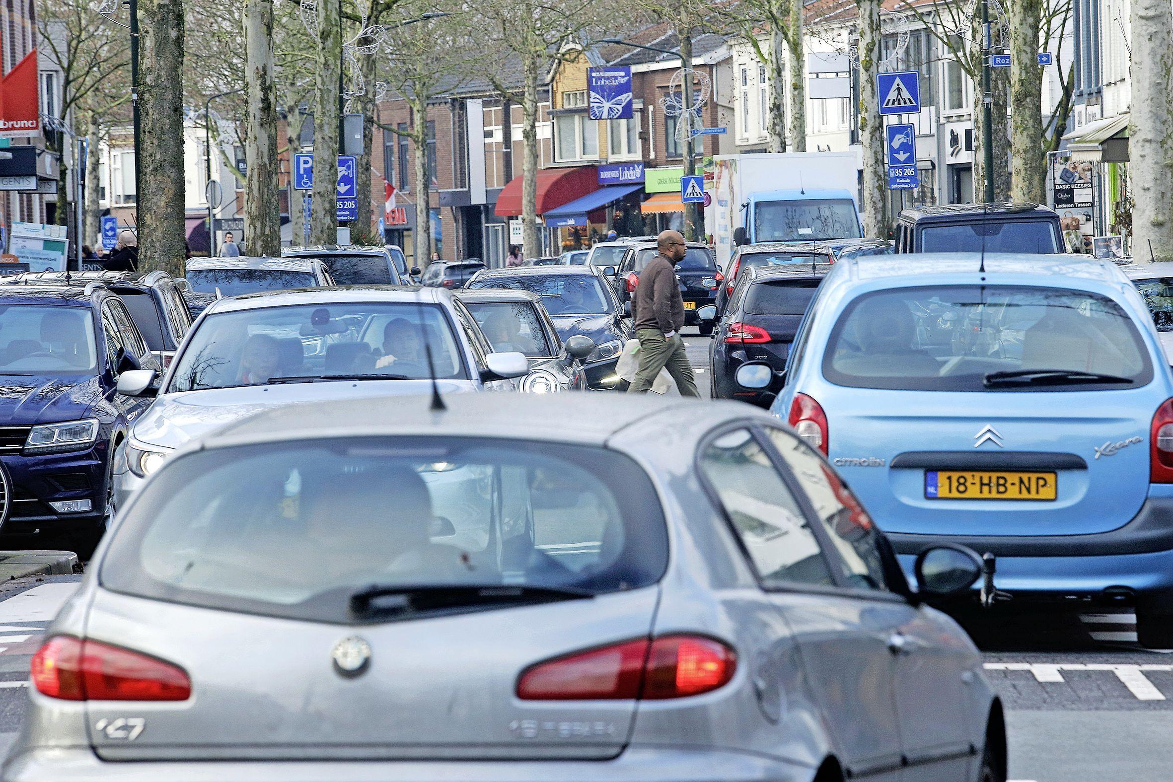 Autoluw maken van Hilversumse winkelstraat De Gijsbrecht zou problemen elders vergroten: 'Er spelen meerdere belangen'