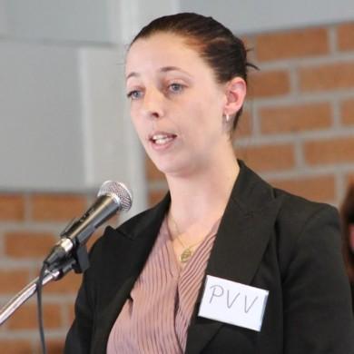 Nicole Moinat van de PVV in Purmerend: 'vanwege corona moet ik het wat rustiger aan doen'