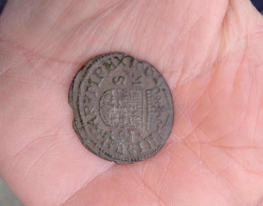 Spaanse munt uit 1662 opgediept uit West-Friese bodem. 'Historisch waardevol'