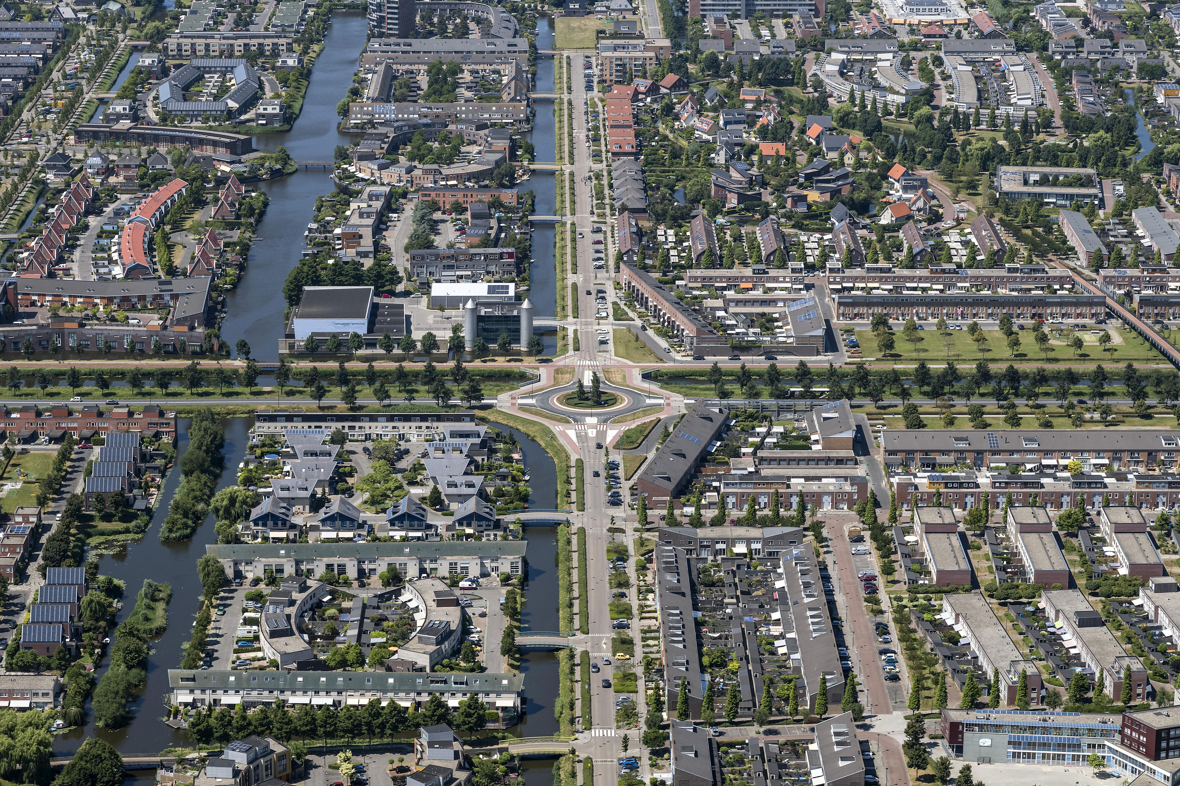 Miljoenen voor nieuwe rotondes in Oosttangent zijn 'eerste bouwsteen' om hele wegennet onder Heerhugowaard onder de loep te nemen