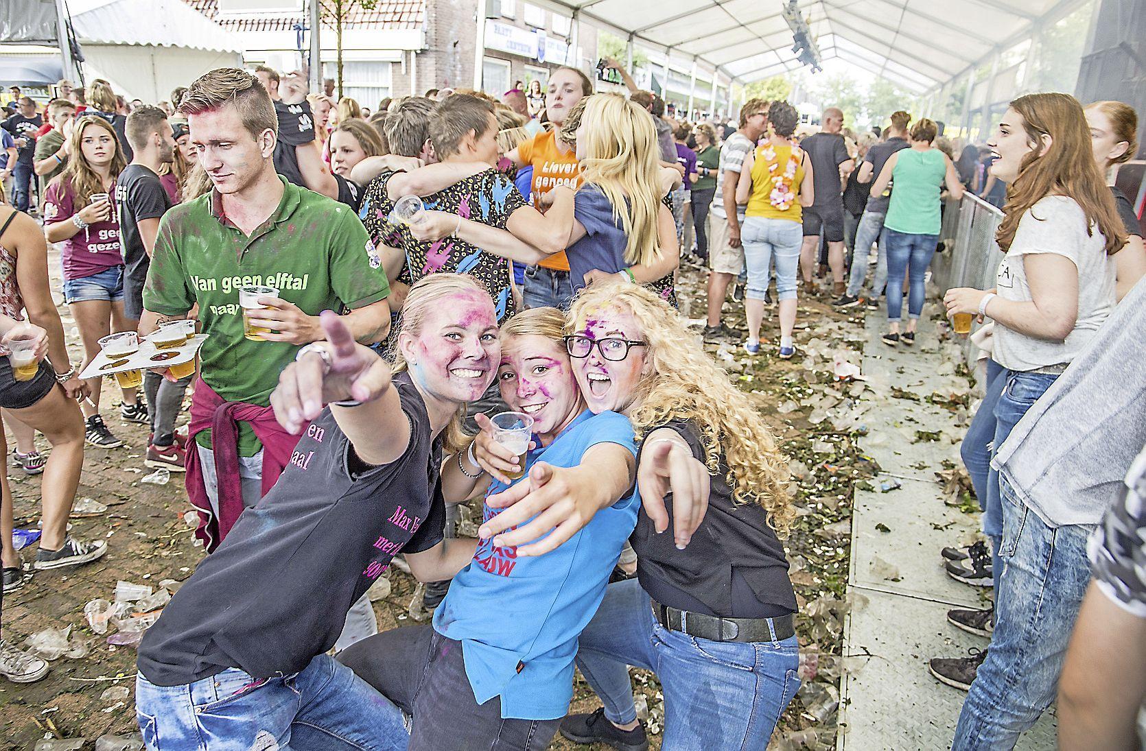 Wapen van Holland weet het nog niet tijdens de Polderse kermis. 'We gaan alleen open als die anderhalve meter ervan af is'