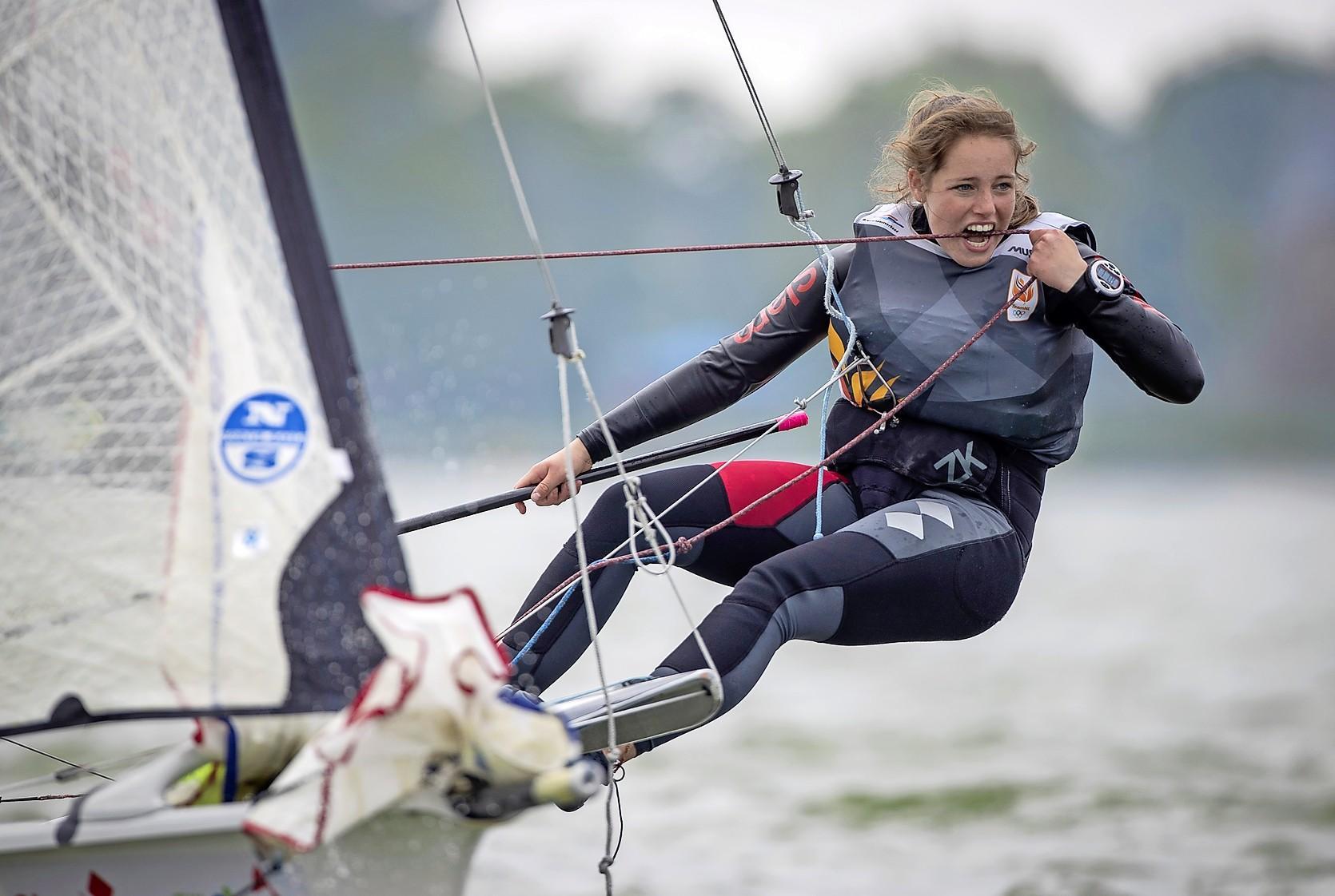 Zeilster Florine Bramervaer gaat op het IJsselmeer de strijd aan met de internationale top
