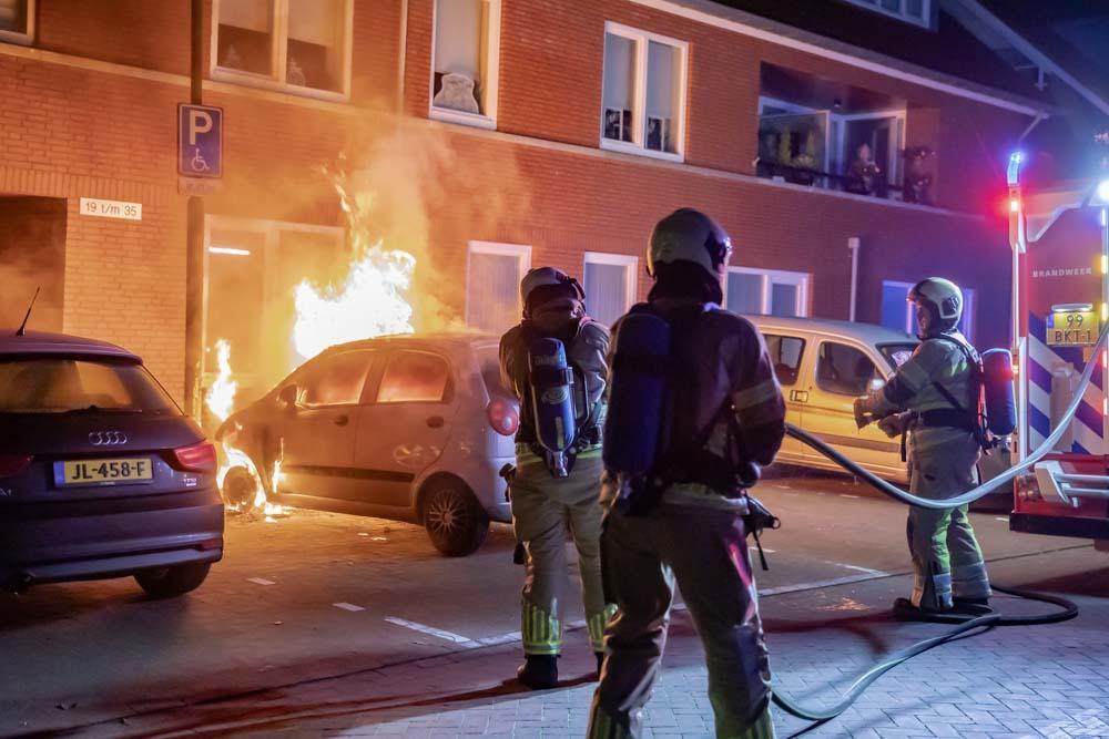 Auto van oudere, invalide vrouw uitgebrand in Baarn