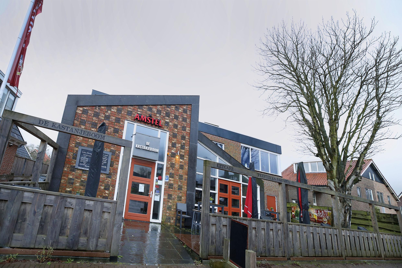 De voordeur van De Kastanjeboom in Dirkshorn dreigt ook na de lockdown dicht te blijven. Het voorcafé van het dorpshuis zit vanaf 1 januari zonder huurder