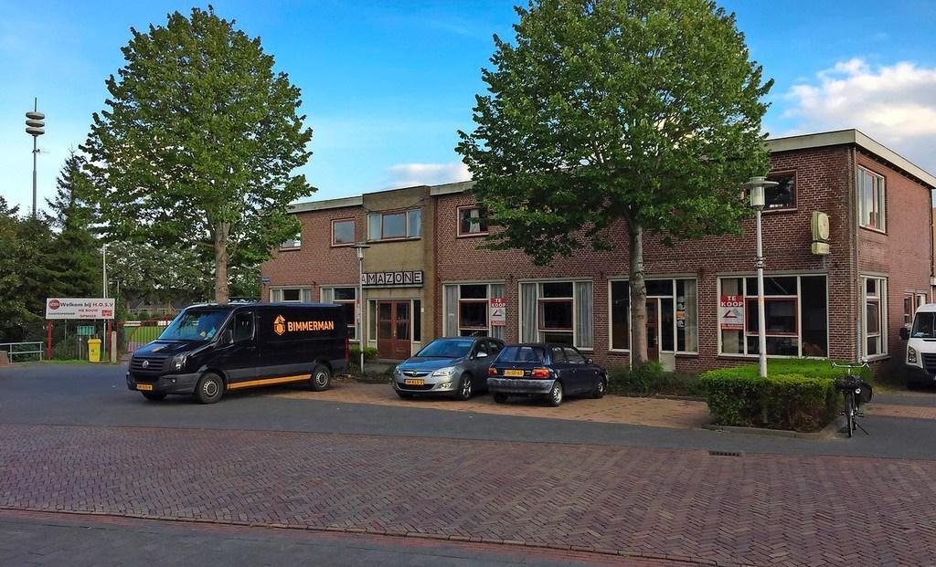 Expathotel voor arbeidsmigranten in oud partycentrum Amazone in Spanbroek. VVD vreest 'ontwrichtende werking'