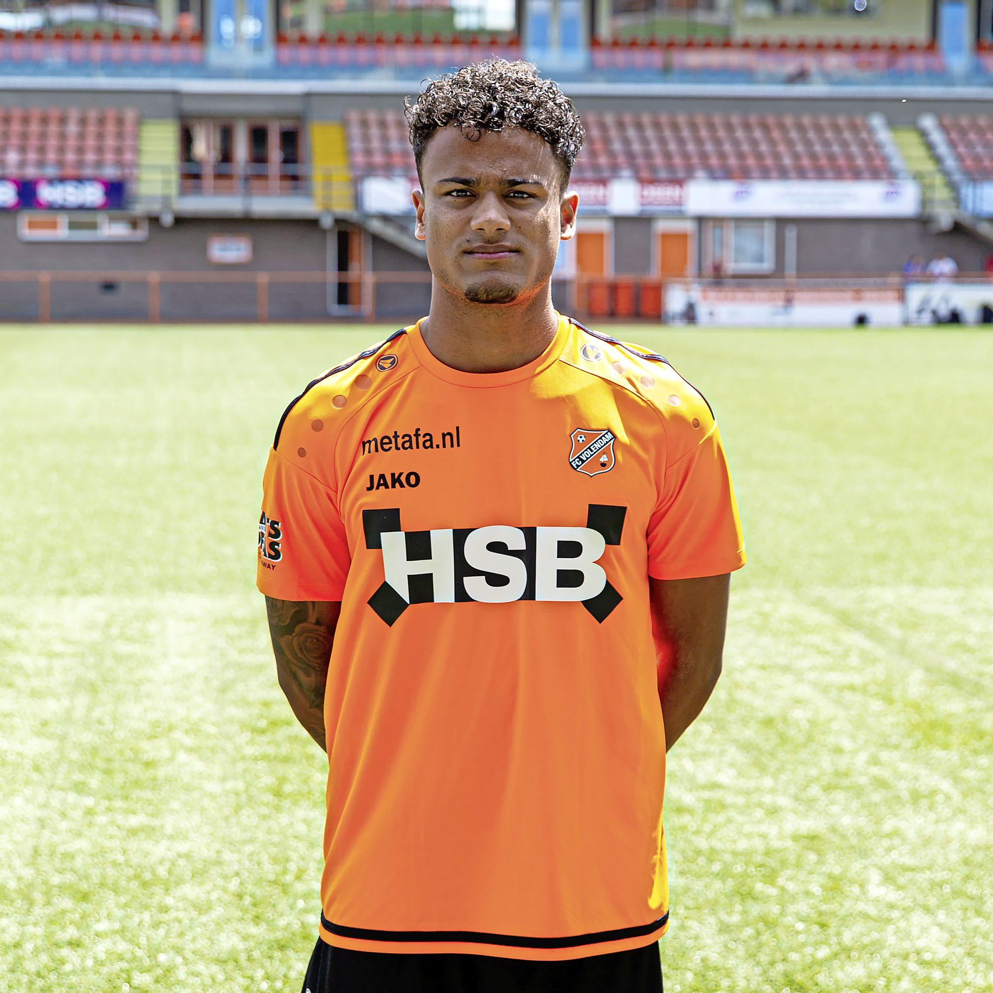 Darryl Bäly (ex-FC Volendam) moet steunpilaar OFC-verdediging worden