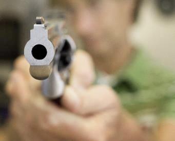 Weer een straatroof: jongens van 18 en 16 jaar bedreigd met een vuurwapen, op het hoofd geslagen en bestolen bij Geestmerambacht [update]