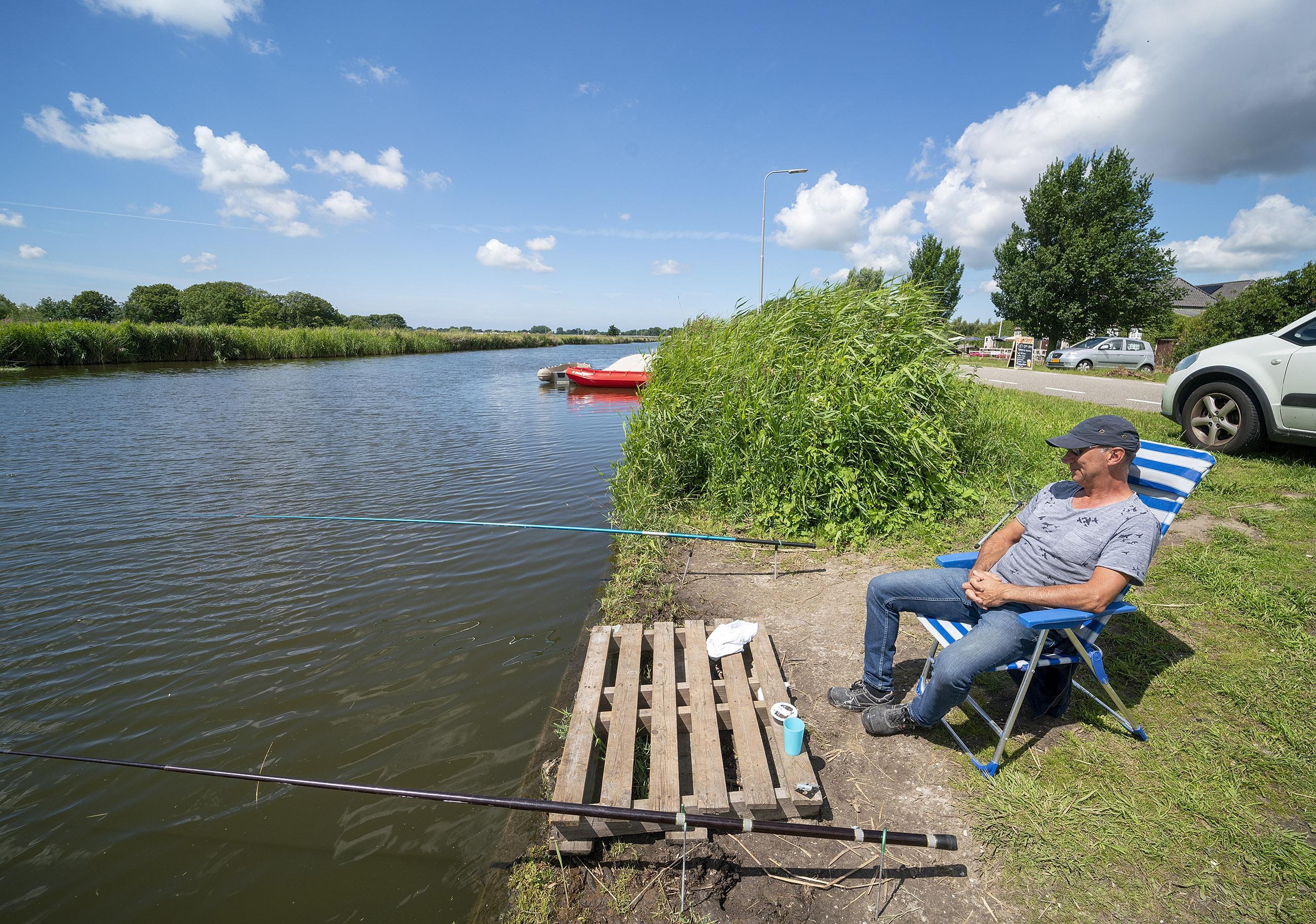 Ergernis over 'illegale' botenhelling. Provincie wil deugdelijke trailerhelling bij Poldermuseum in Heerhugowaard