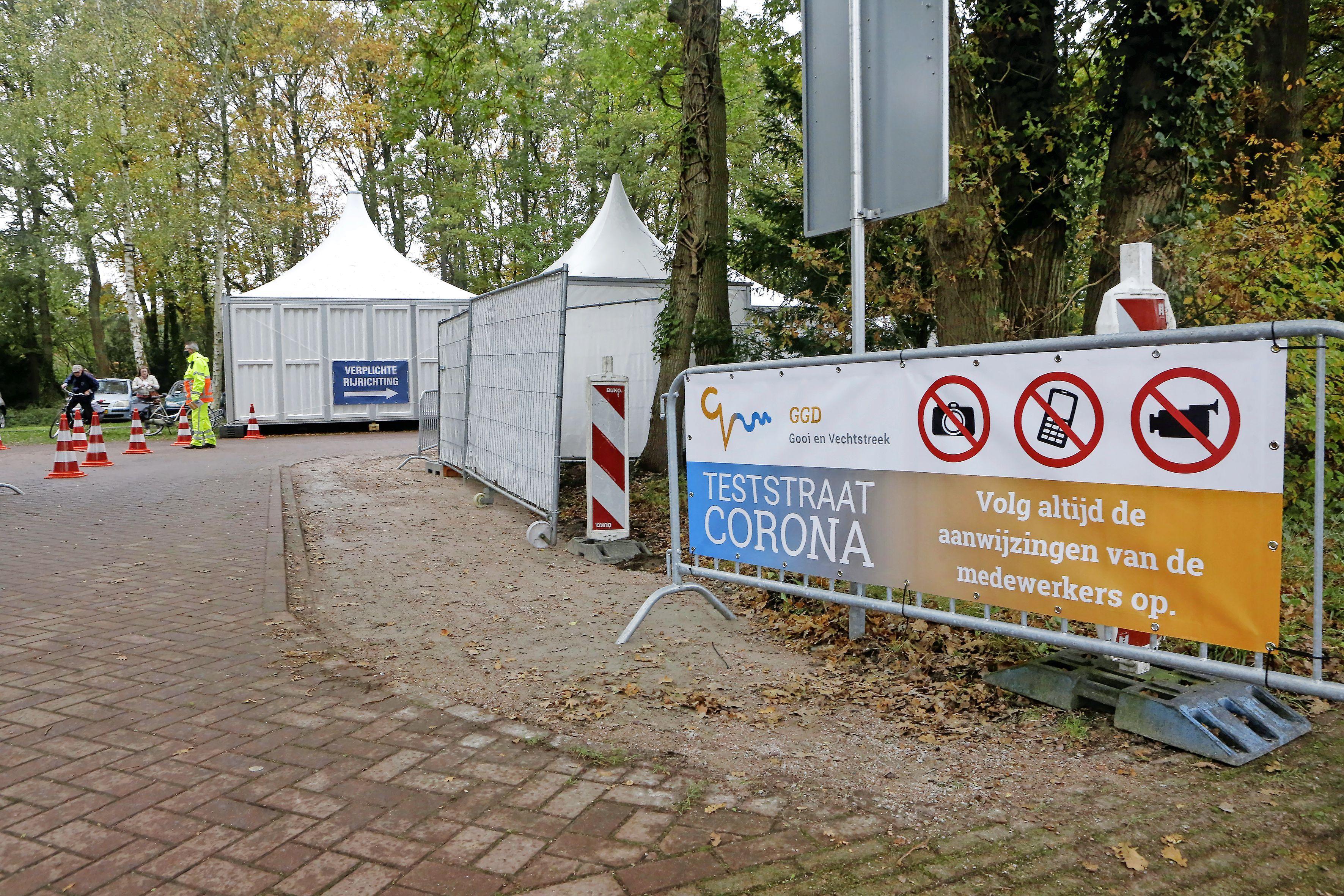 Gooise GGD opent 'kinderteststraat' in Huizen: sticker en dapperheidsdiploma voor de jongste bezoekers