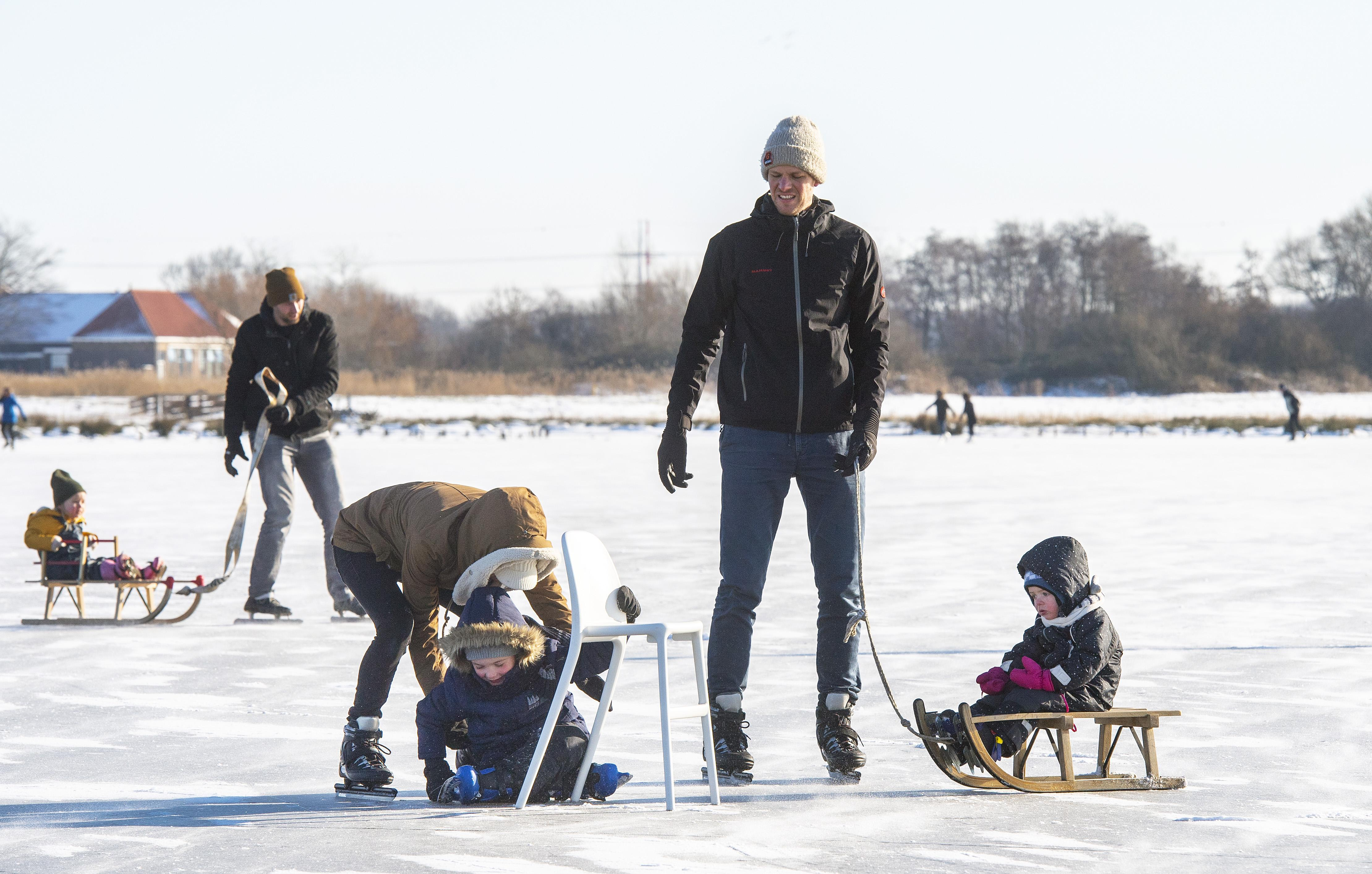 Heel Haarlem geniet op het ijs: 'Als je tweehonderd rondjes op de Veerplas schaatst, dan rijd je ook een Elfstedentocht'