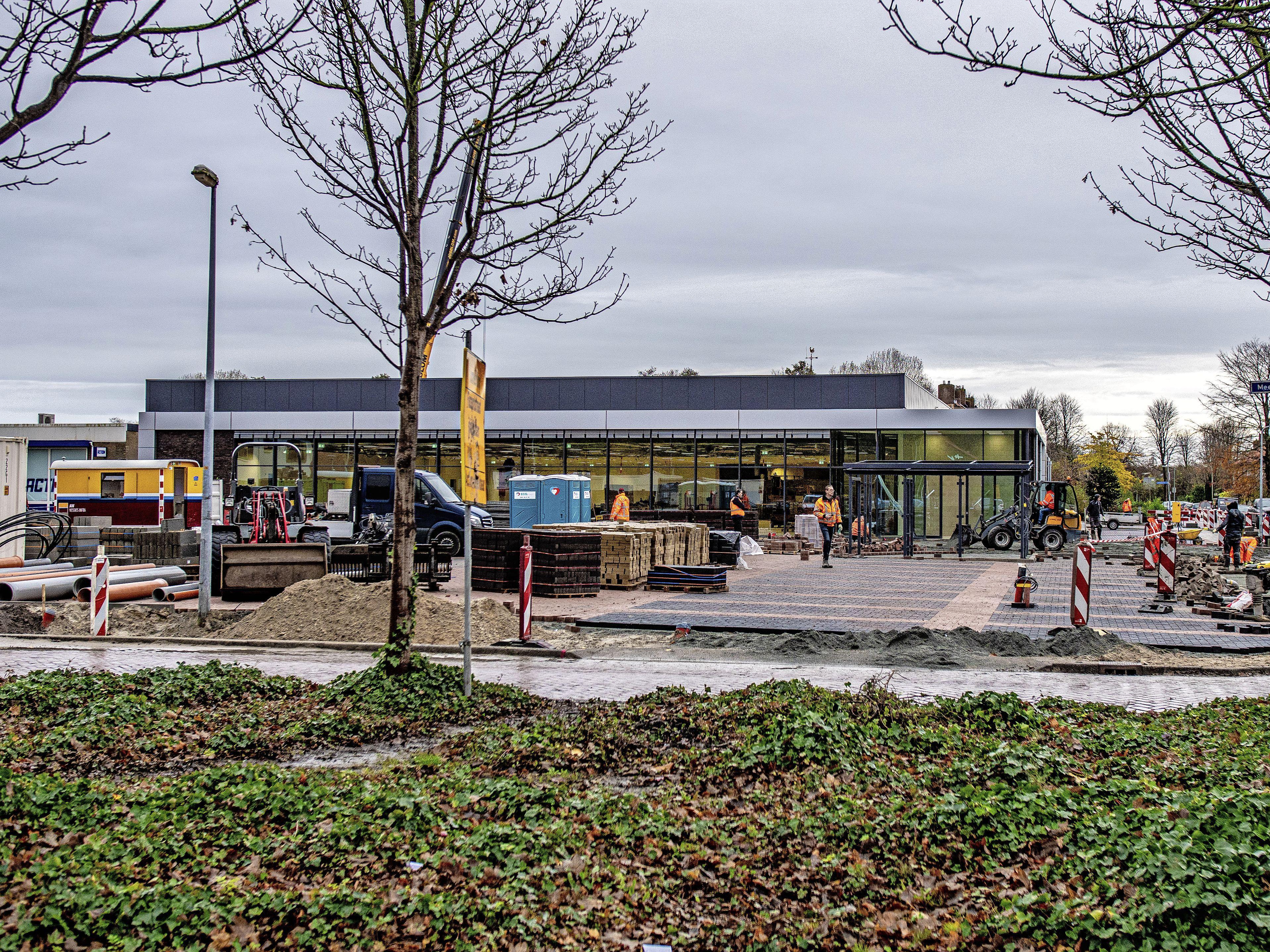 Nieuwe Lidl aan Terpstraat maakt dat winkelgebied in Wieringerwerf schoner oogt. Dat is de overtuiging van wethouder Theo Groot