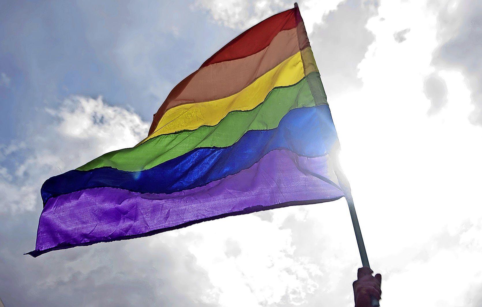 'Een wedstrijd waarin niets op het spel staat, is belangrijker dan je uitspreken tegen homohaat' | EK-column