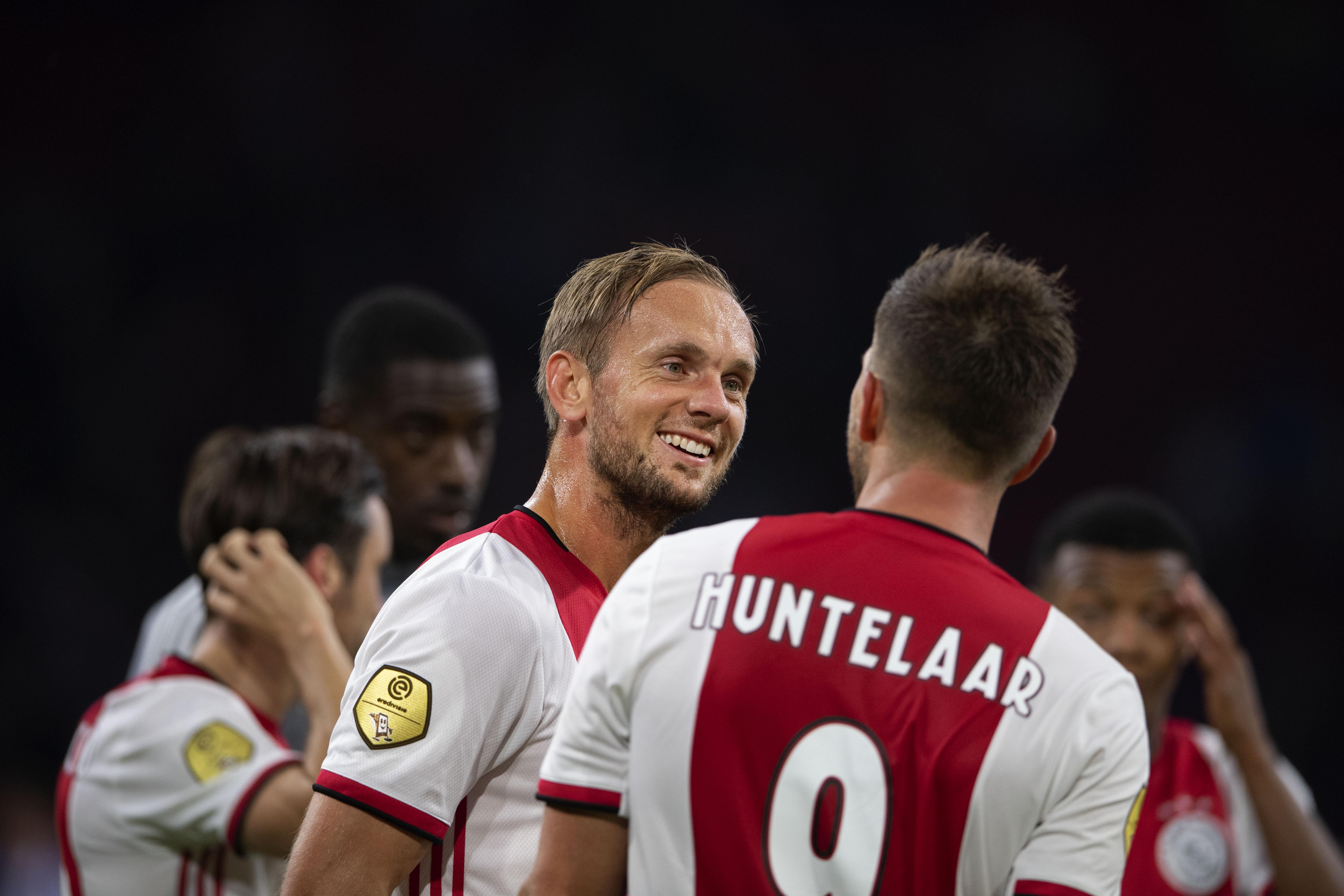 Ajax rekent na matige start af met Heerenveen [video]