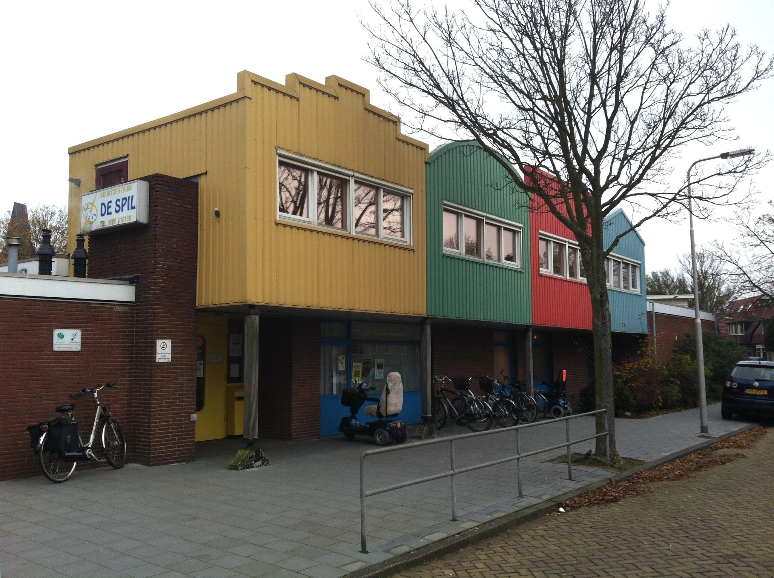 Buurthuis De Spil in IJmuiden dicht, cultuurwarenhuis in de oude V&D IJmuiden, stevig opwaarderen bibliotheek in Velserbroek: bezem door 'maatschappelijk vastgoed' van Velsen