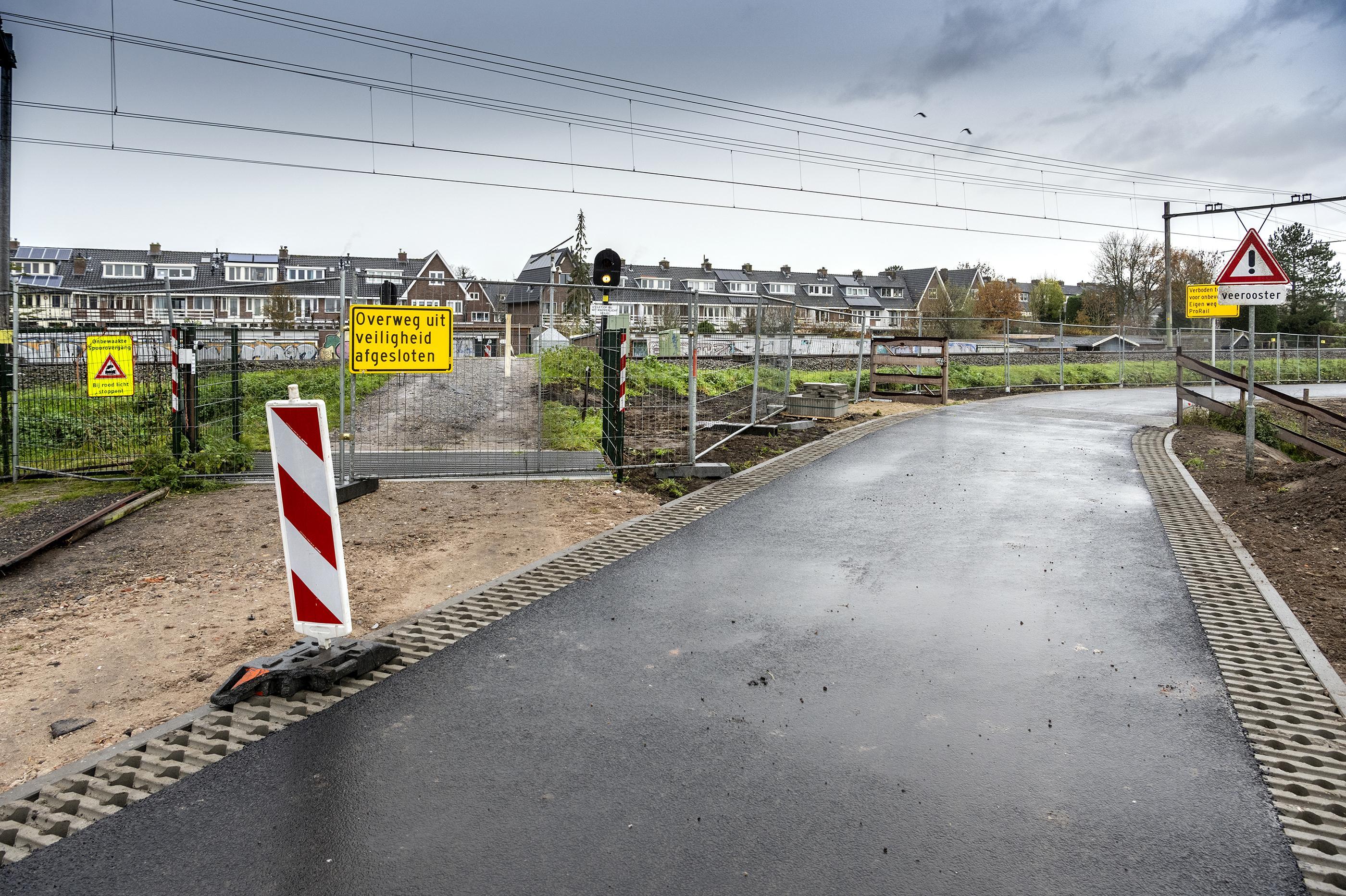 Onbewaakte spoorwegovergang in Santpoort-Zuid definitief afgesloten