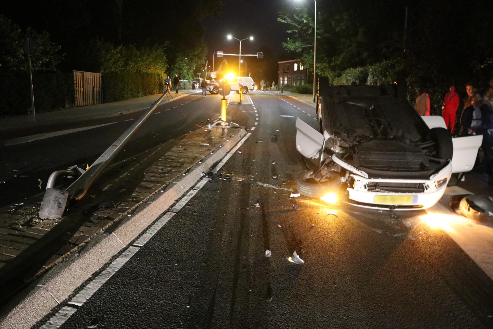 Beschonken automobiliste slaat over de kop in Noordwijk en raakt gewond
