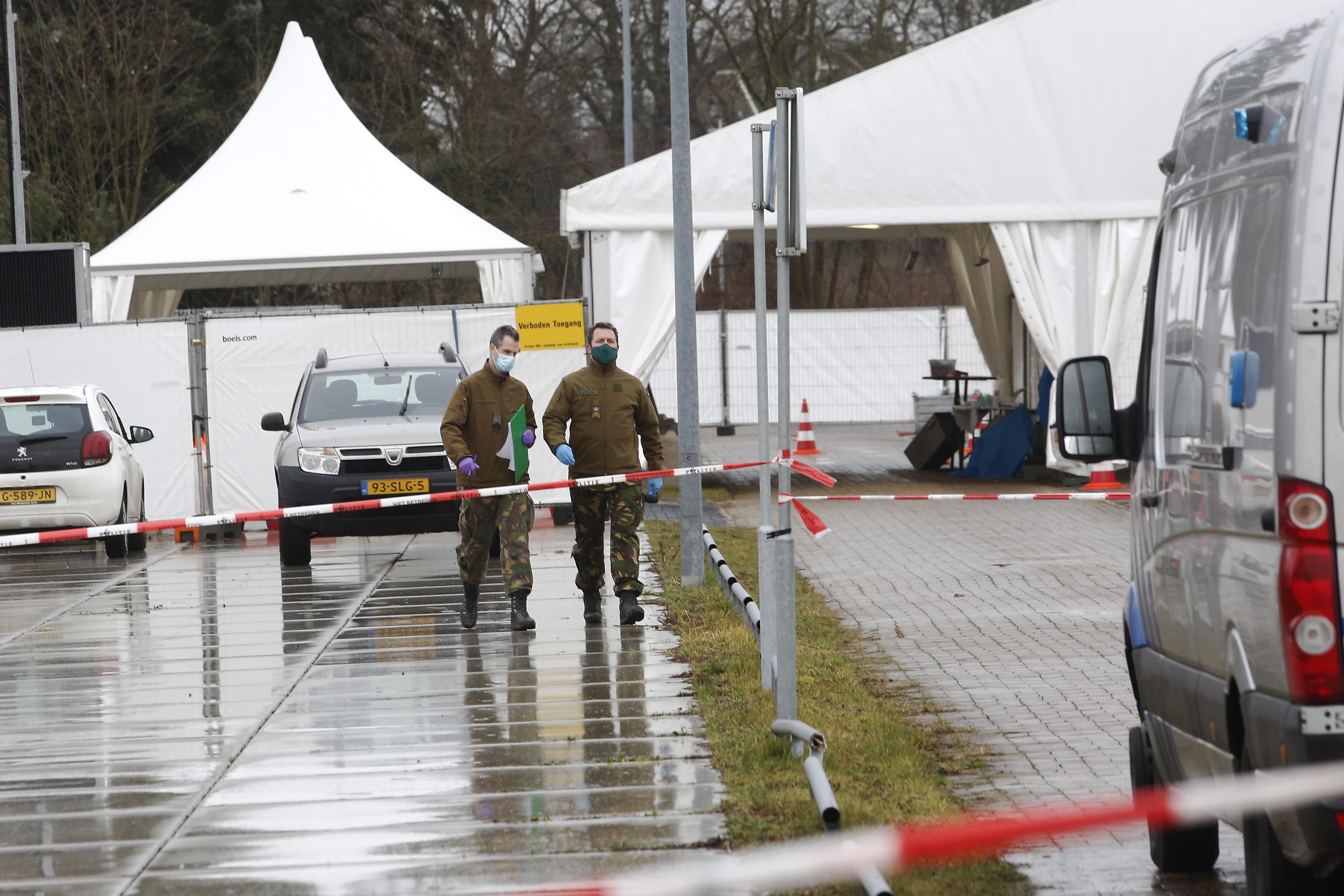 Gooise GGD schroeft beveiliging teststraten op na vondst 'brandbare goederen' en vuurwerk; 'Onze medewerkers zijn erg geschrokken'