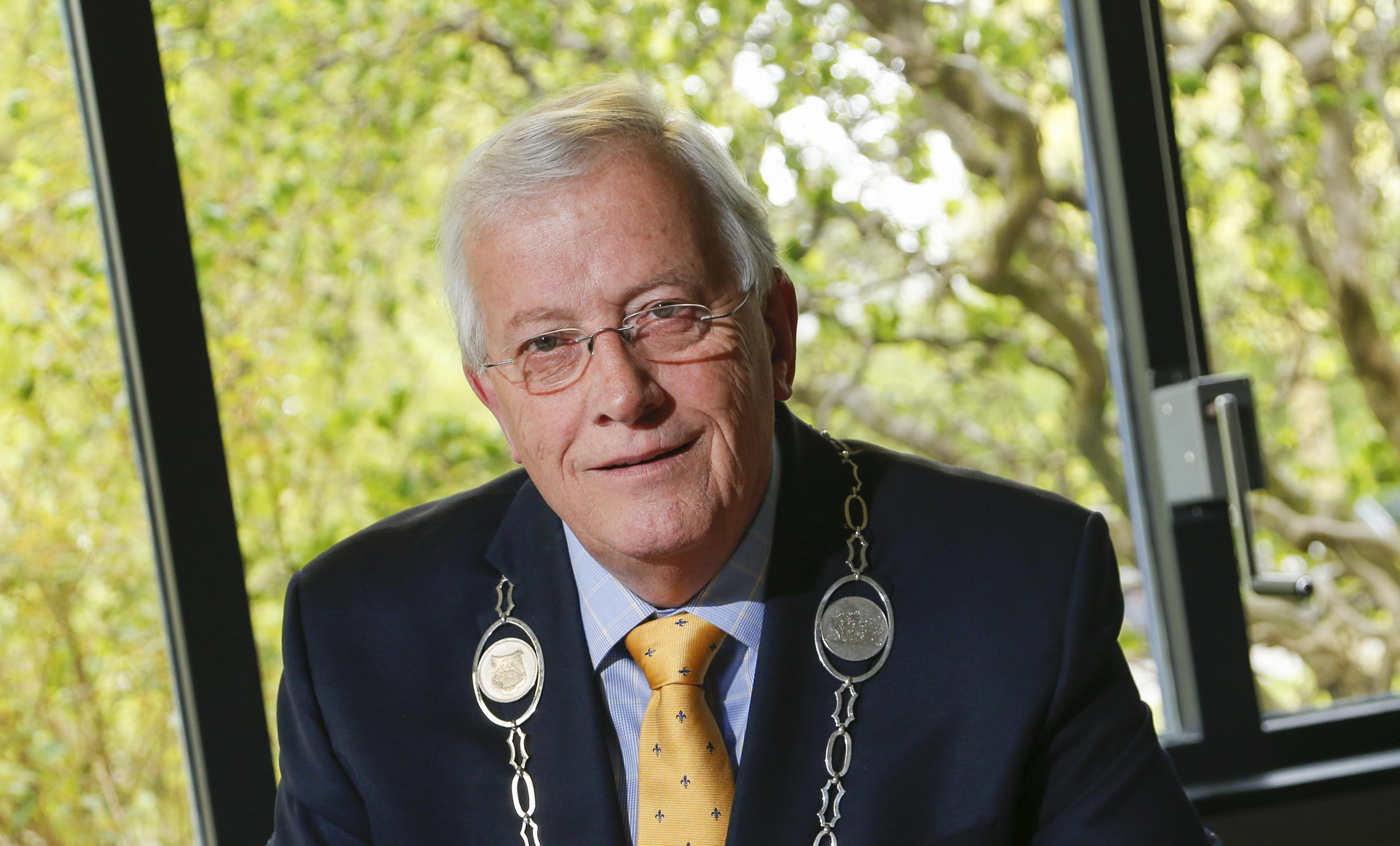 Burgemeester Nijpels (70) van Opmeer vertrekt, opvolgingsprocedure start