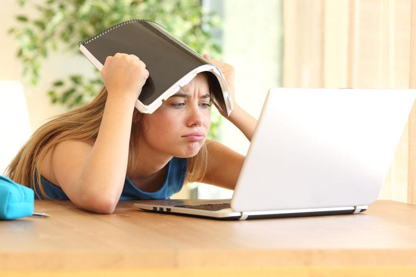Heeft je kind online les? Probeer geen controleheks te worden