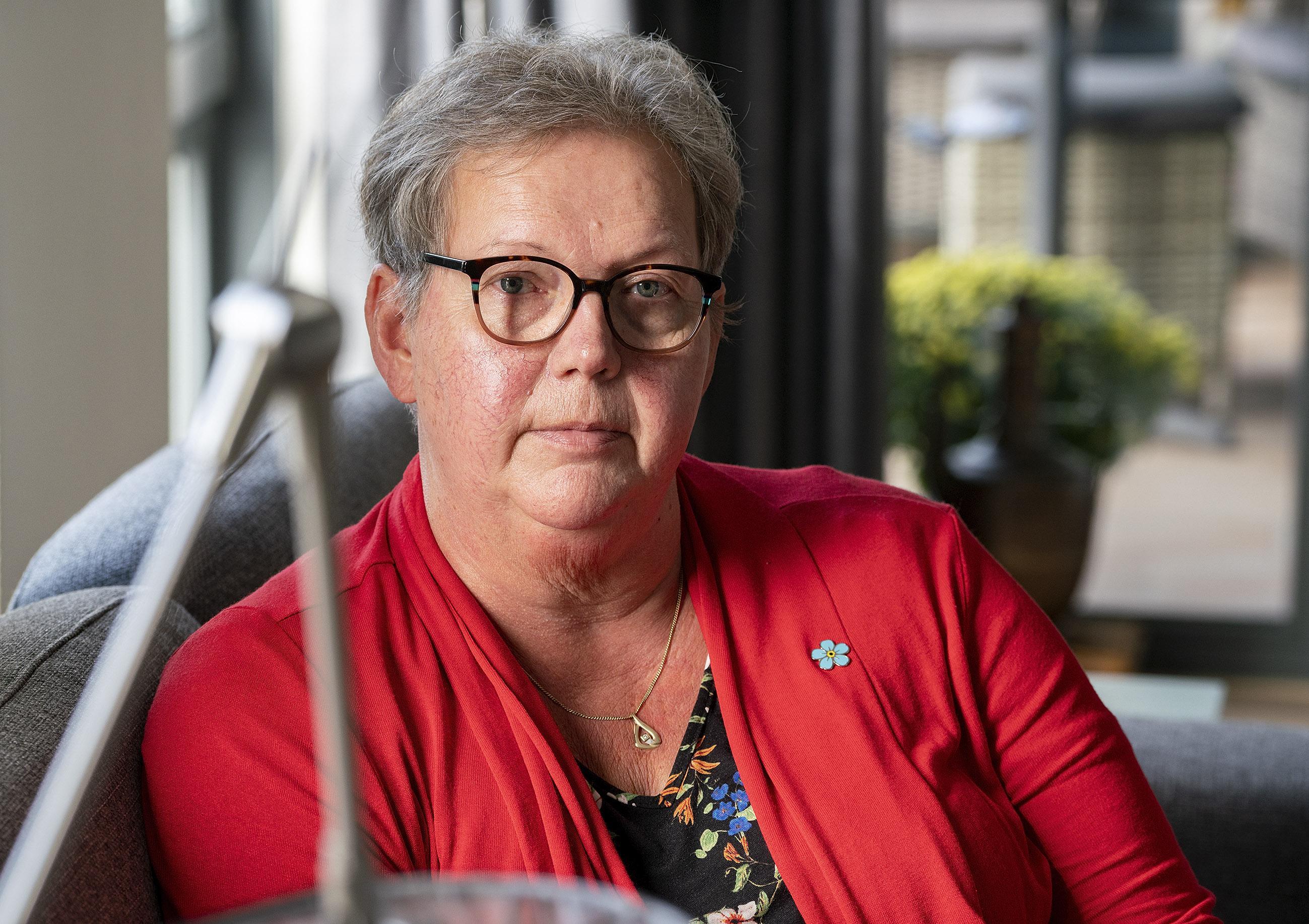 Tweede coronagolf mag niet wéér een aanslag zijn voor mensen met dementie; 'Die vergeten logischerwijs sneller om afstand te houden'