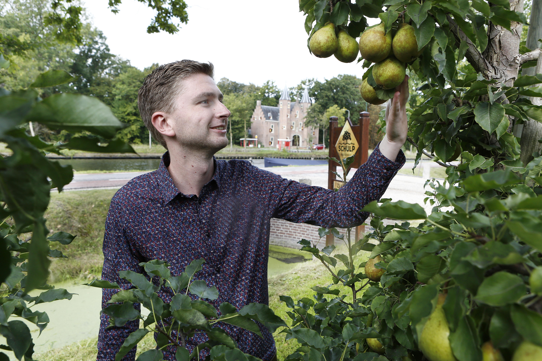 Lekker vruchtensap maken is niet zo moeilijk, weten ze bij Schulp Vruchtensappen: gewoon goed fruit persen, inclusief de buitenbeentjes en bleekneuzen