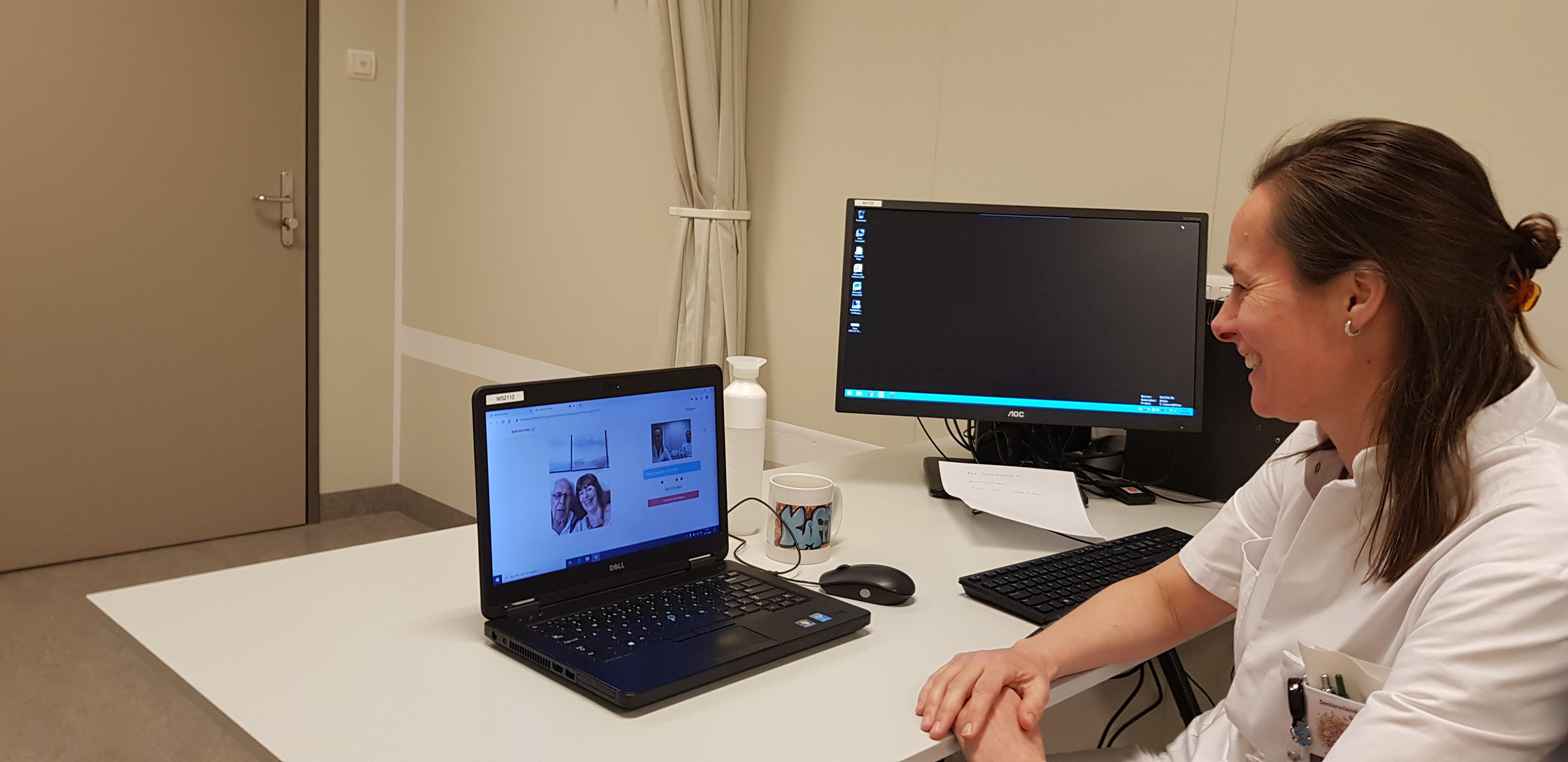 Rode Kruis Ziekenhuis Beverwijk maakt verwijzing nieuwe patiënten geriatrie mogelijk met beeldbellen