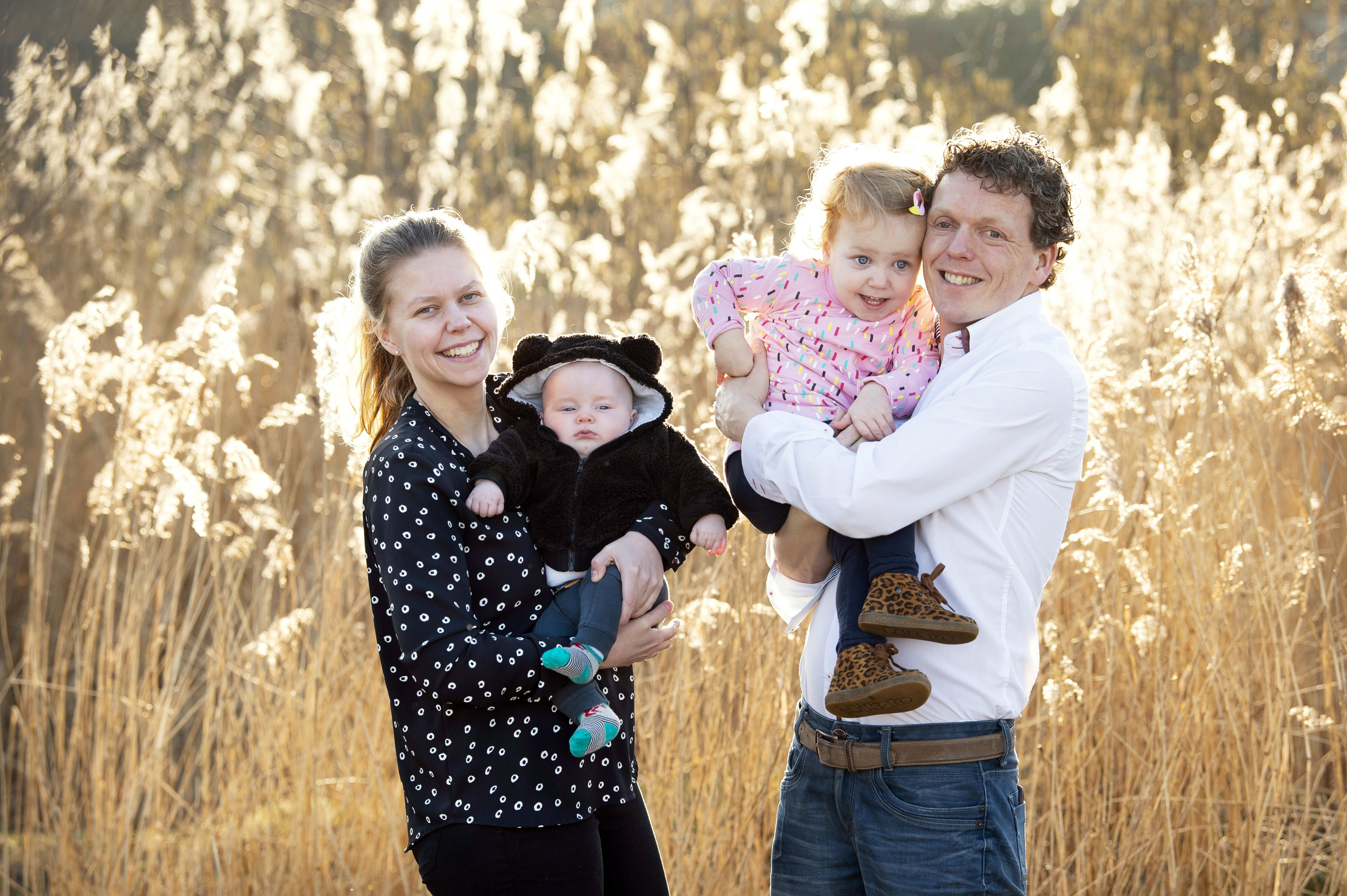 Ouders huilbaby waren uitgeput, simpele oplossing helpt hen en hun Marijn
