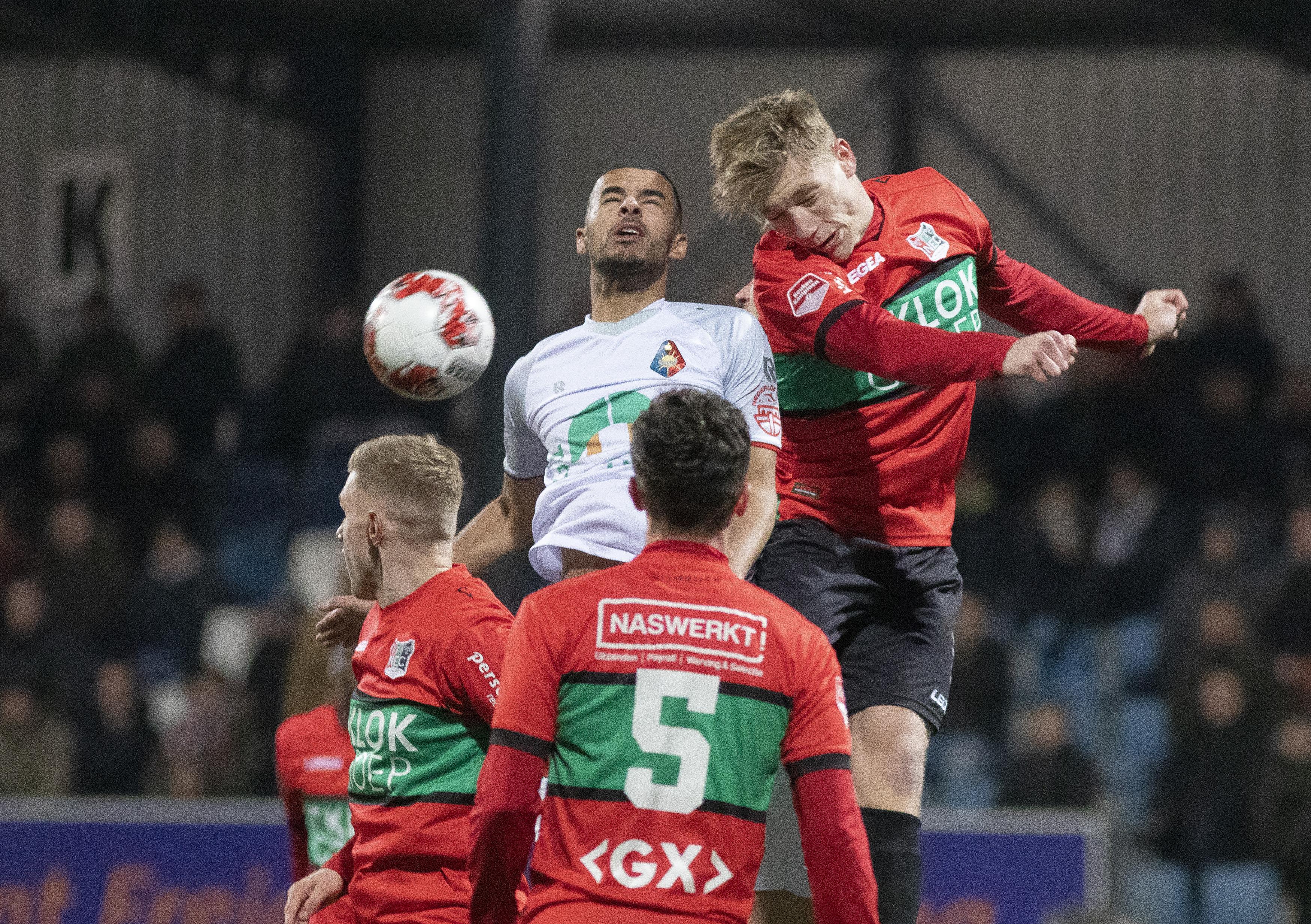 Andries Jonker gaat zijn ploeg na 1-7 vernedering geen straftraining geven: 'Ze hebben zich de tandjes gewerkt'