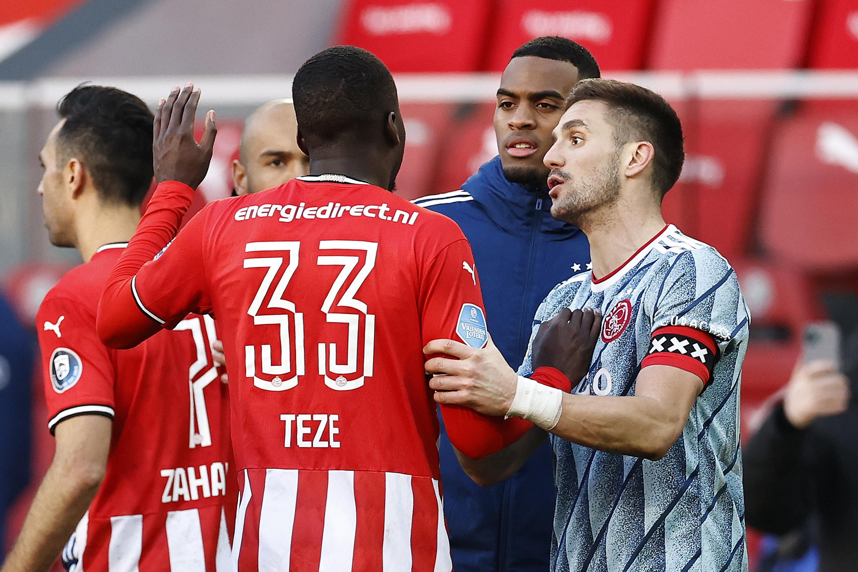 Ajax gaat aangifte doen van poging tot mishandeling in Eindhoven