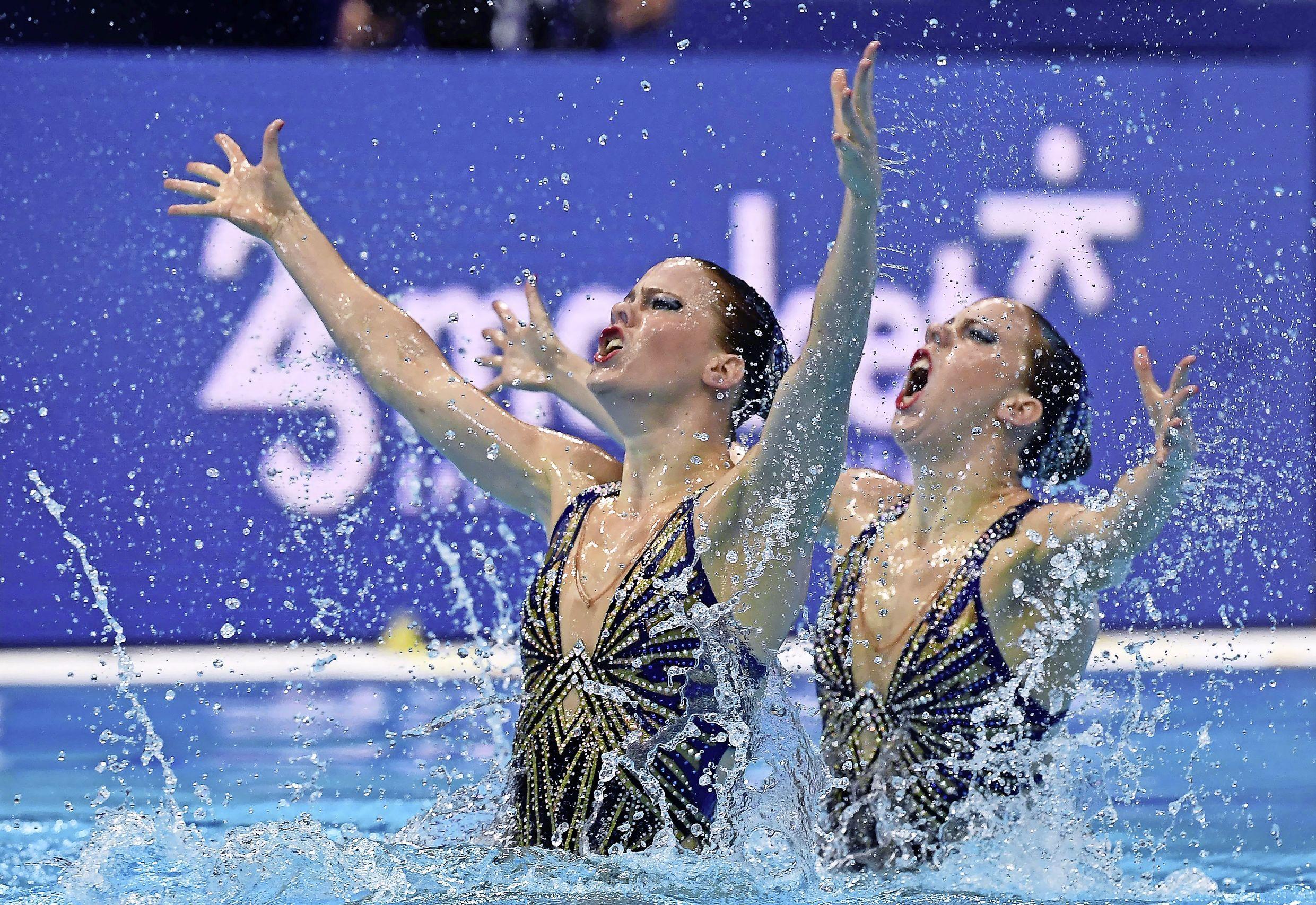 Synchroonzwemsters De Brouwer uit Hoofddorp ook vijfde in tweede finale op EK