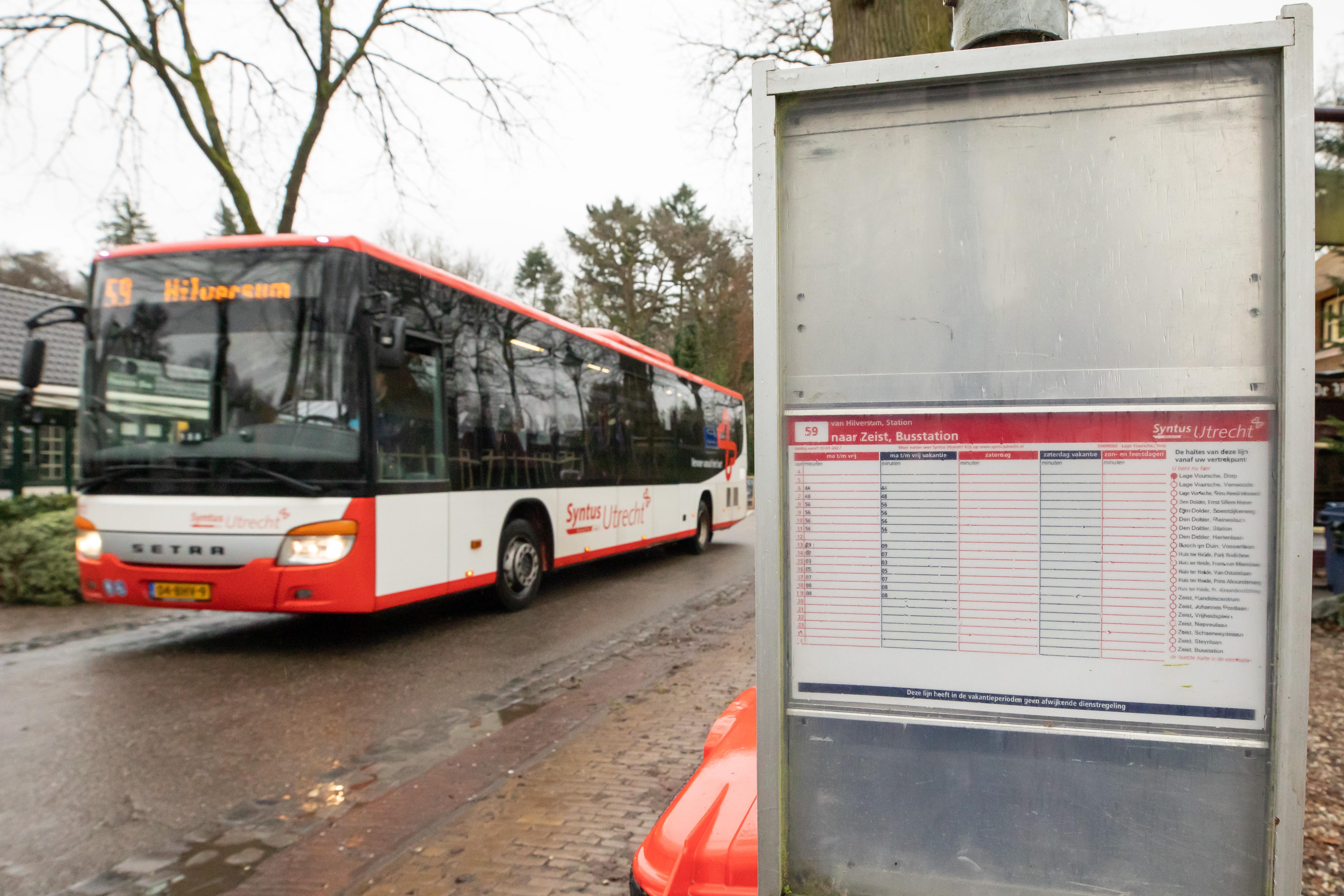 Lage Vuursche in elk geval tot de zomer verstoken van busvervoer in het weekeinde, en misschien ook nog wel langer; Baarn had het mailtje van de provincie erover gemist...