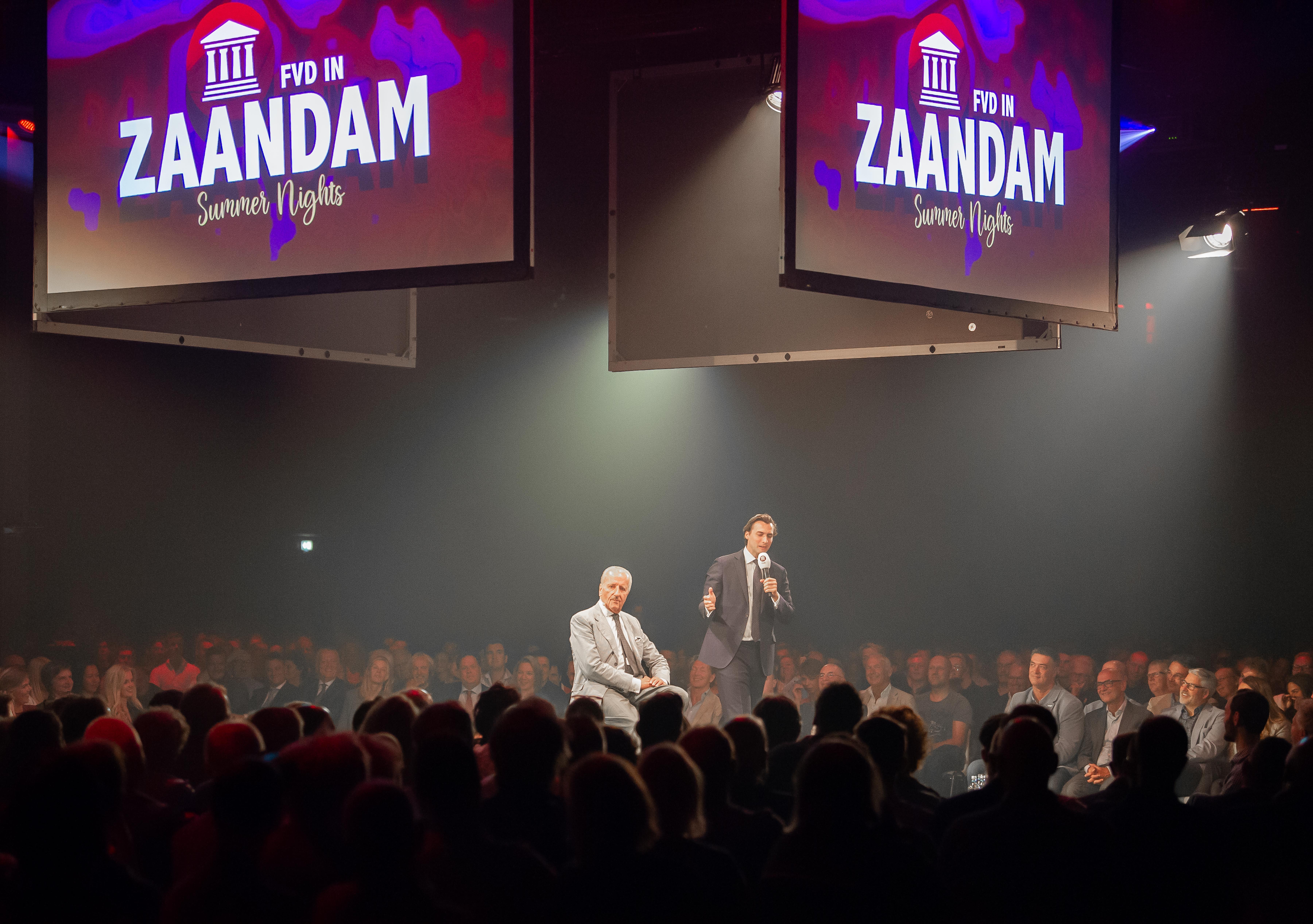 Forum voor Democratie houdt op zomerfeest in Zaandam de affaires klein: 'Theo, wanneer splits jij je af?'