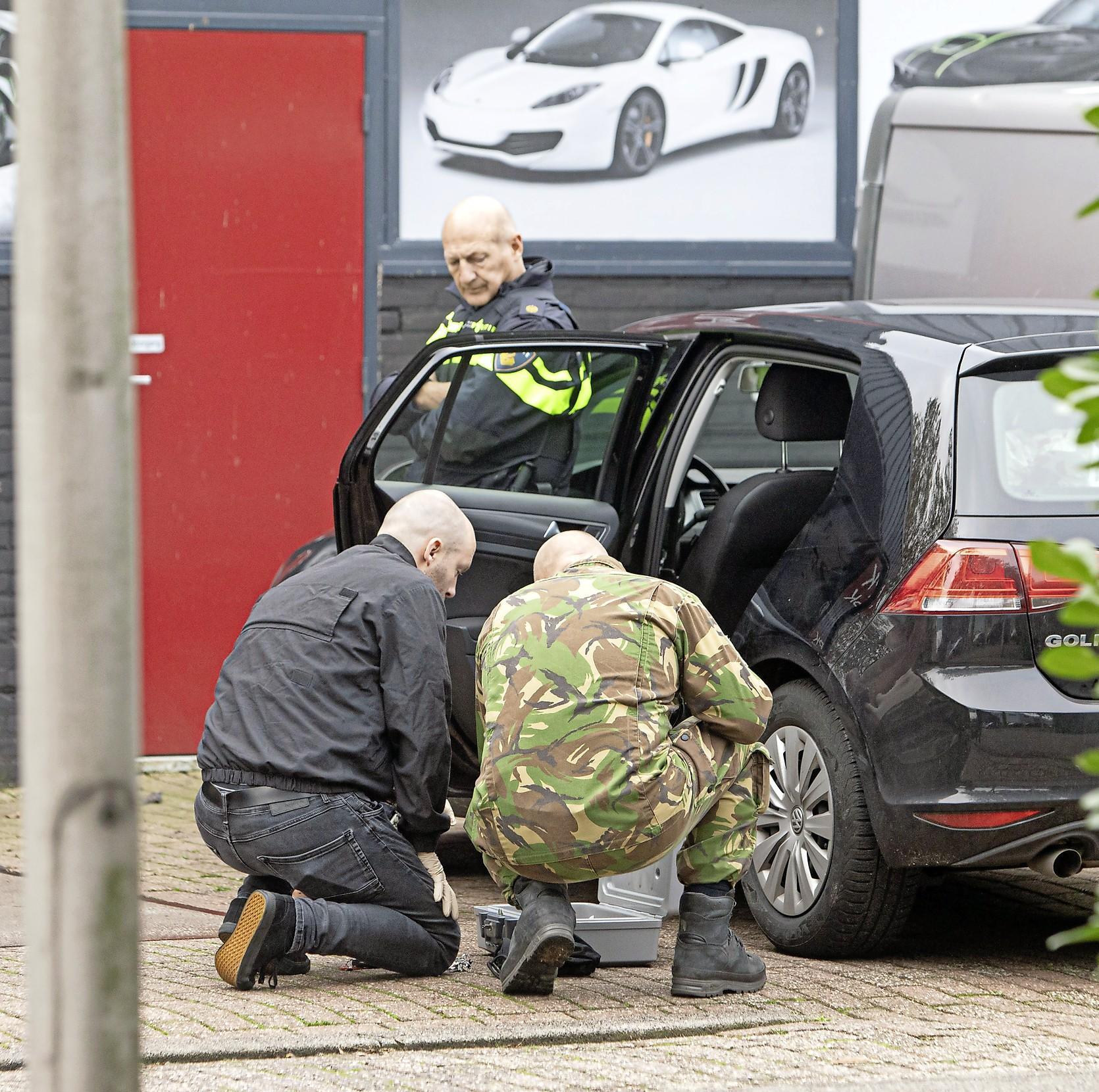 'Ík heb geen doorgeladen pistool thuis, jij wel?' Burgemeester Niek Meijer van Huizen pakt bekende crimineel ongekend hard aan