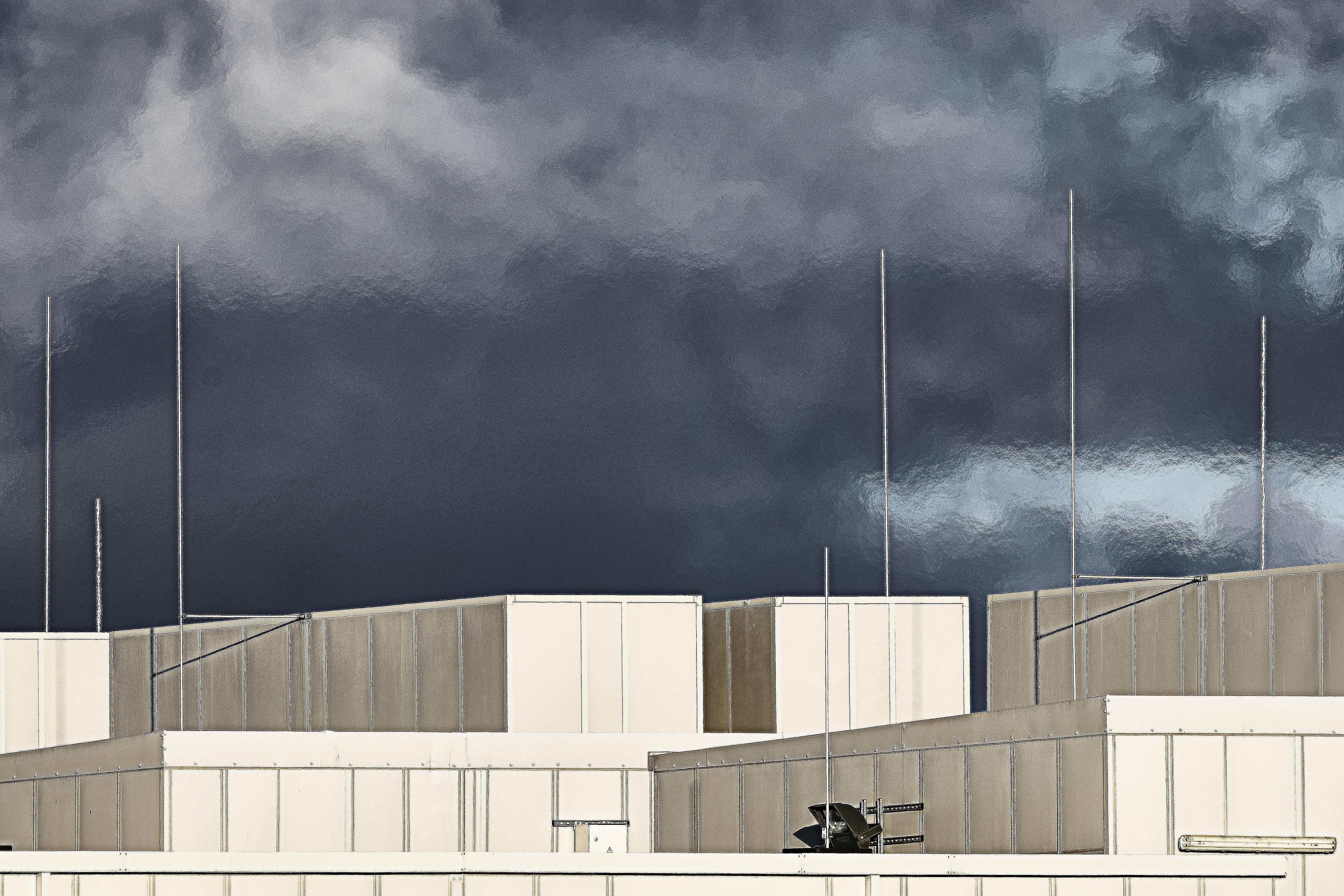 Het was de bedoeling dat de datacenters in de Wieringermeer hun warmte zouden leveren aan glastuinders, maar in de praktijk komt daar weinig van terecht