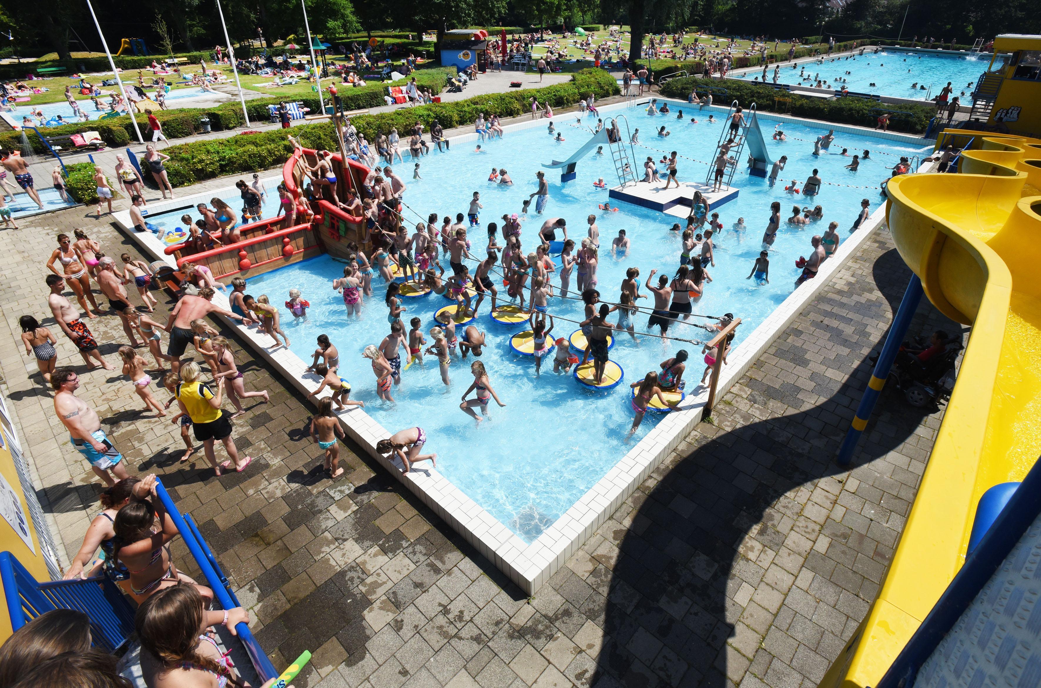 Hoorn kaart nieuwe onrust zwembad aan