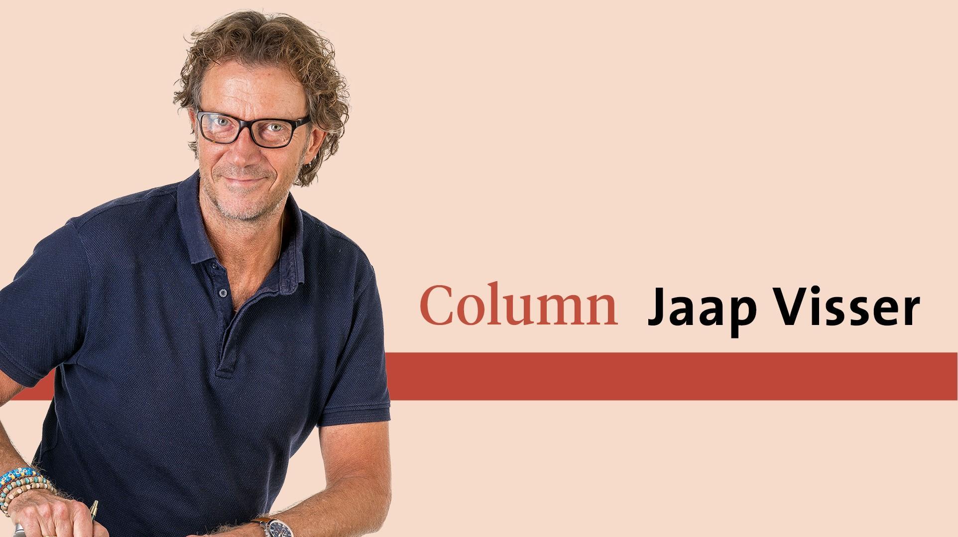 Grimlach en schrik om de avondklok | column Jaap Visser