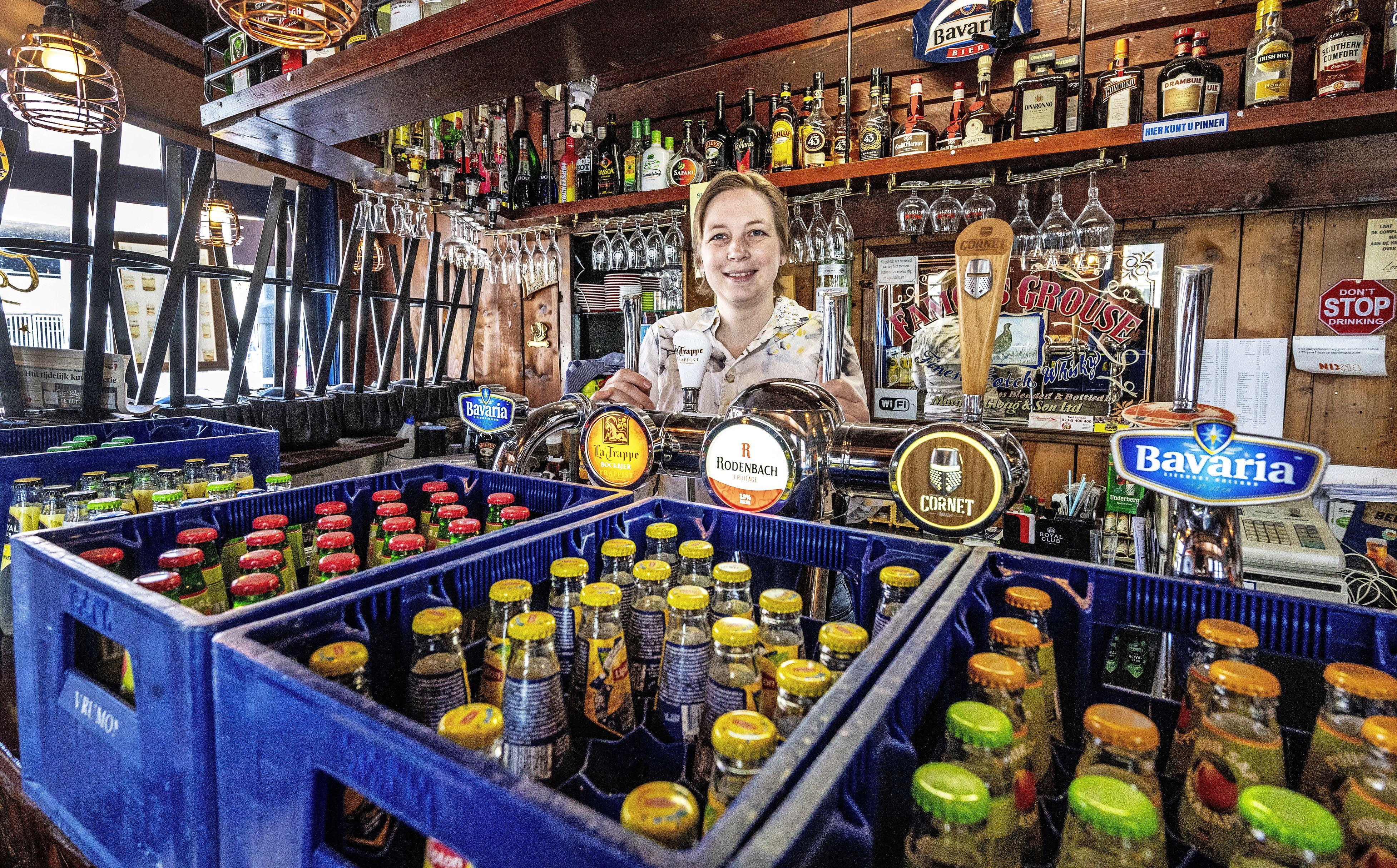 Paula mist haar café De Hut (181 dagen dicht) steeds minder: 'Soms denk ik: wil ik nog wel terug?'