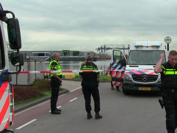 Amsterdam sluit spyshop na liquidatiepoging, geweer aangetroffen in woning