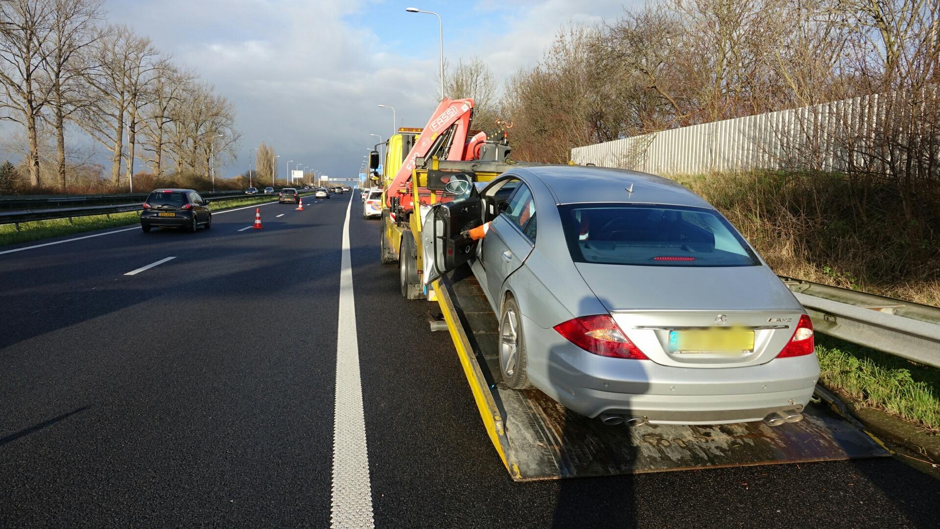 Ongeluk op de A7 bij Wognum. Bestuurder aangehouden voor rijden onder invloed
