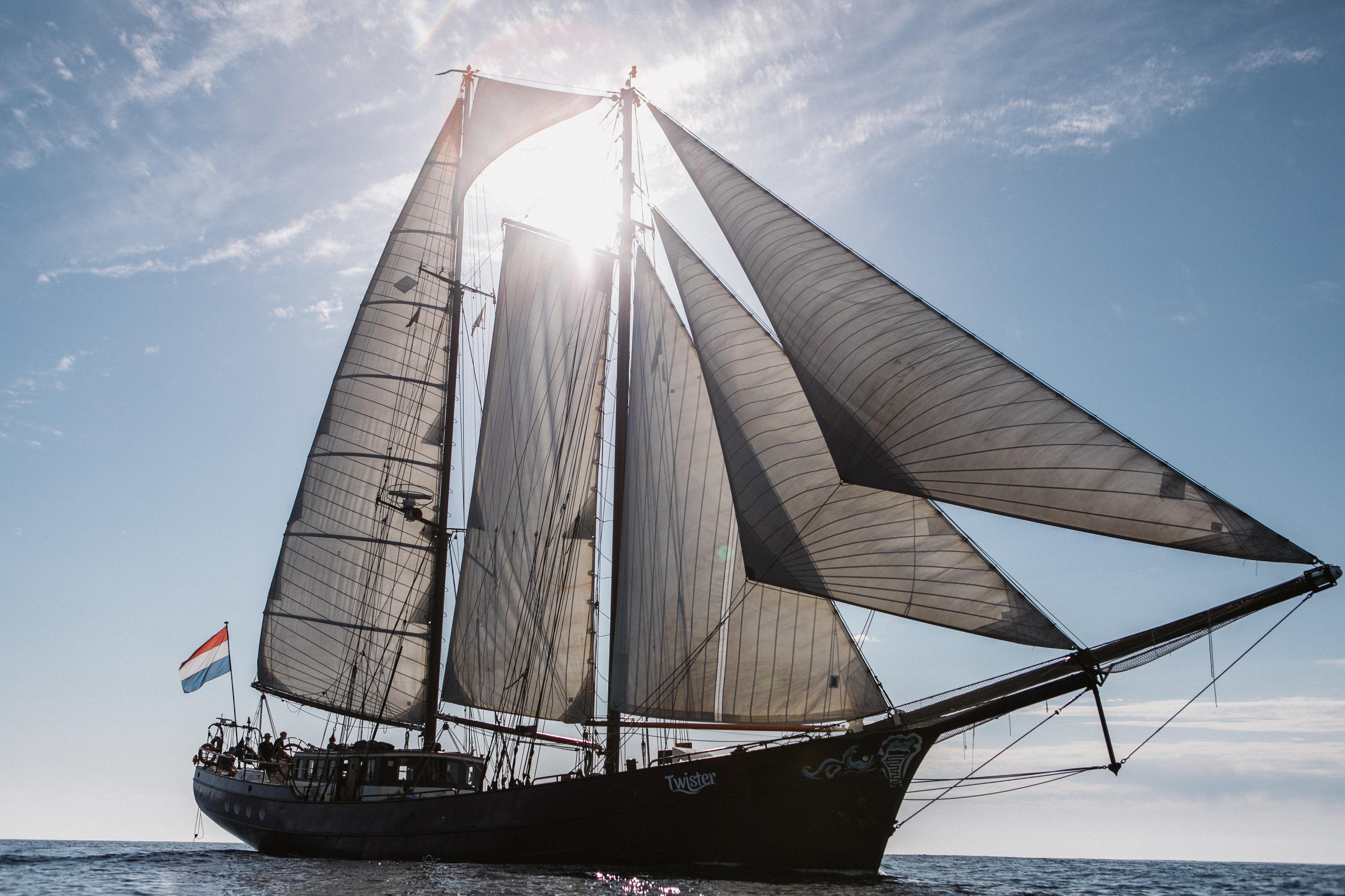 Straks kun je per zeilschip langs de Nederlandse kust varen, ook naar Den Helder en Texel: 'Ik denk dat mensen hun ogen uitkijken op Willemsoord'